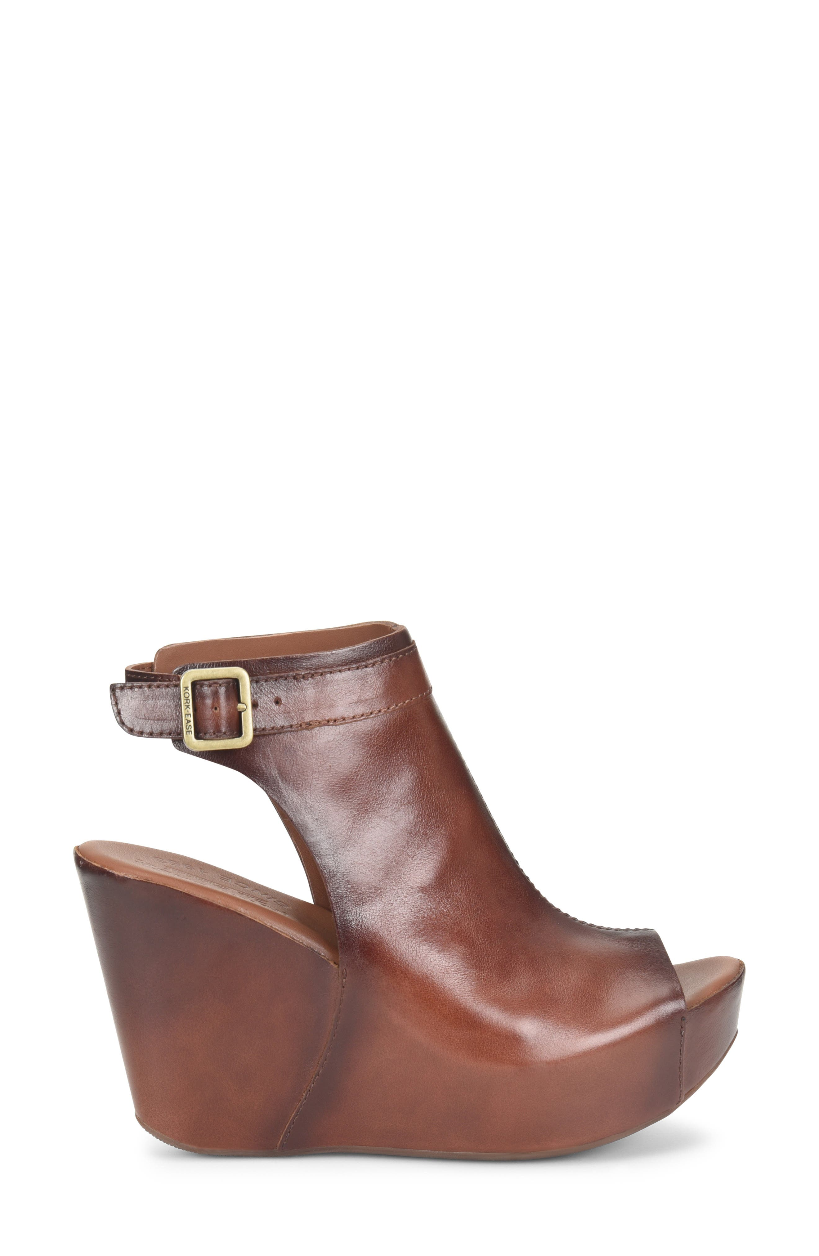 KORK-EASE<SUP>®</SUP>, 'Berit' Wedge Sandal, Alternate thumbnail 3, color, BROWN LEATHER