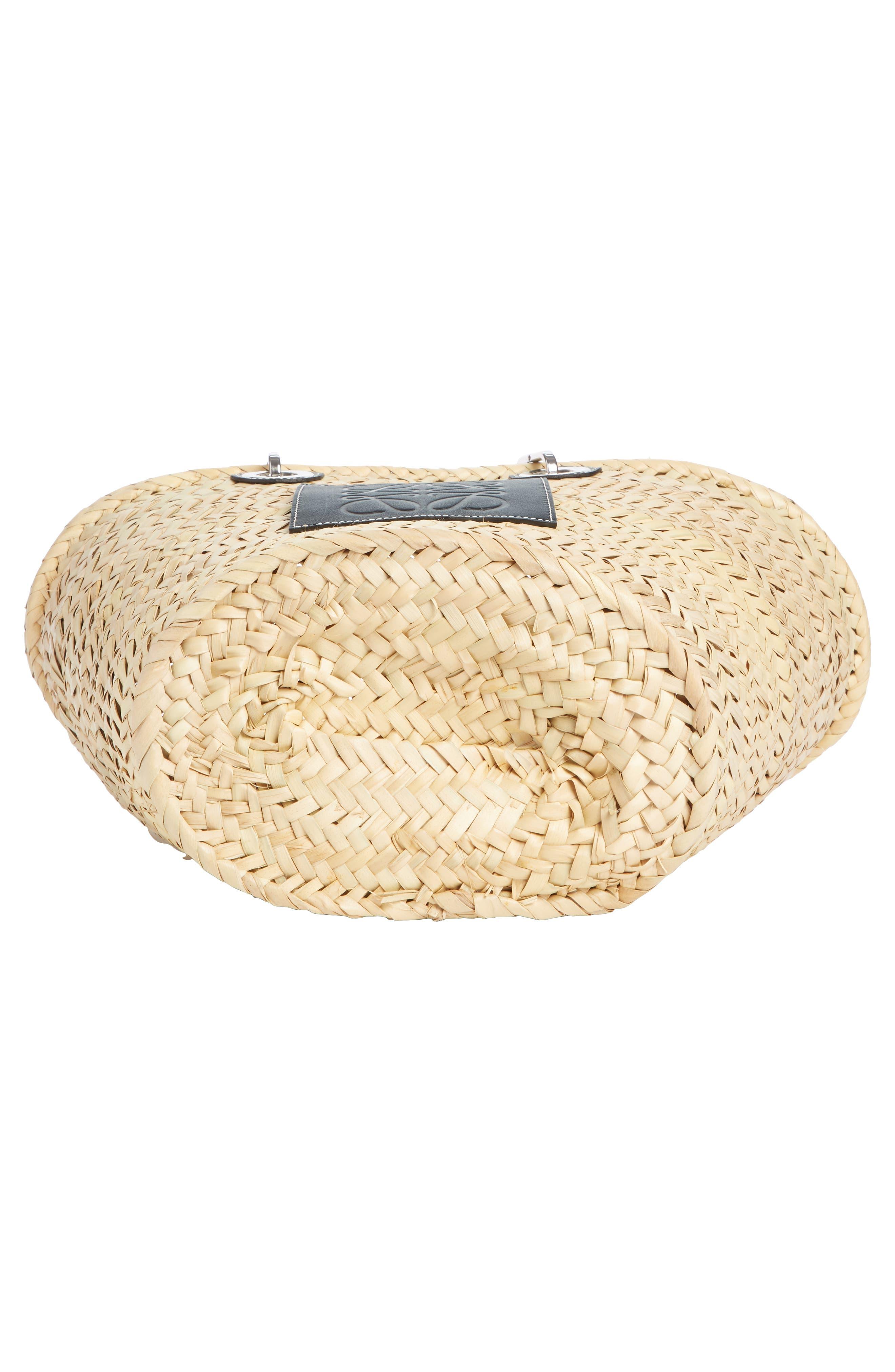 LOEWE, Chain Handle Woven Palm Market Basket, Alternate thumbnail 5, color, NATURAL/ BLACK