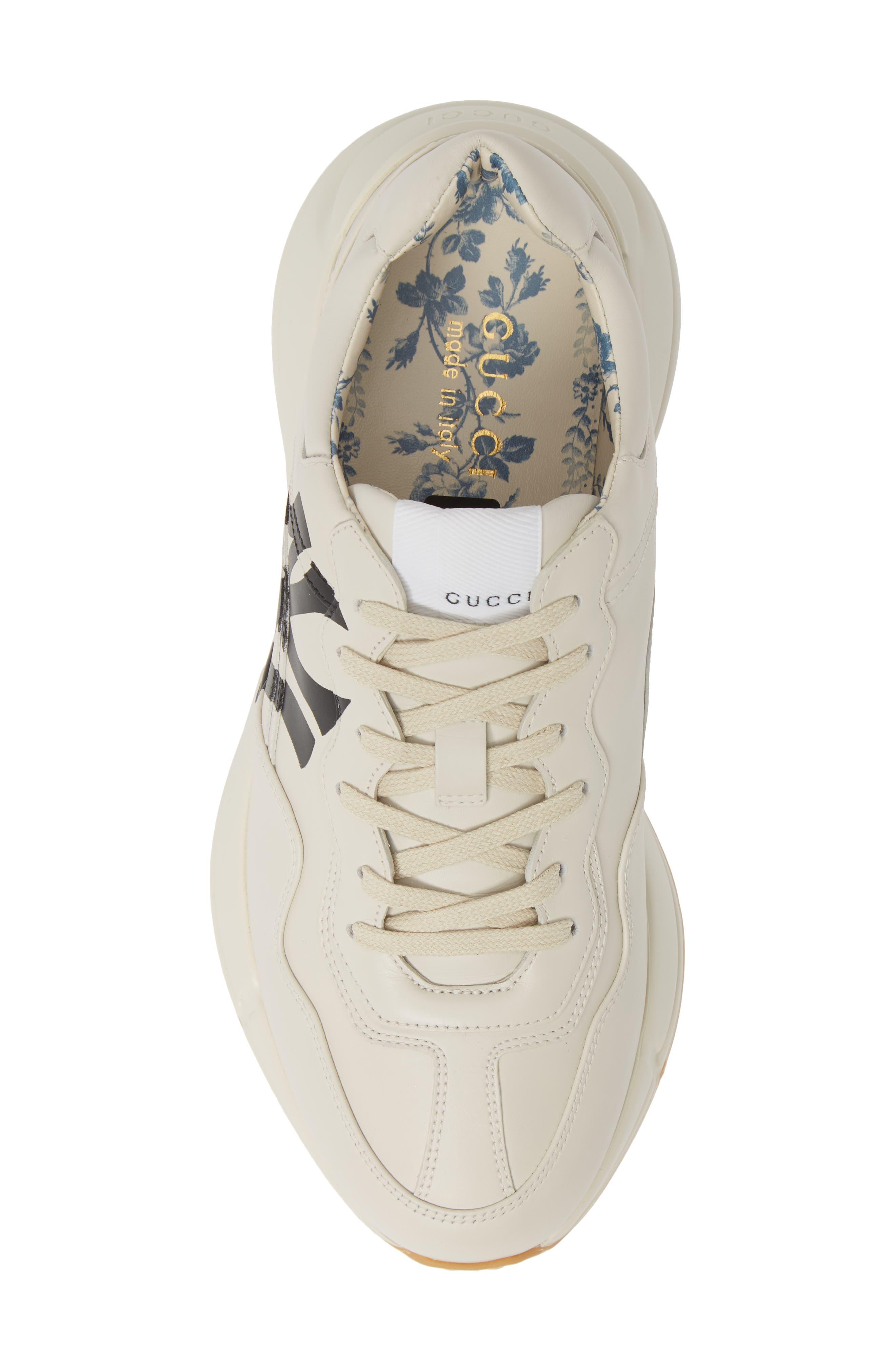 GUCCI, Rhyton Sneaker, Alternate thumbnail 5, color, MYSTIC WHITE/ WHITE
