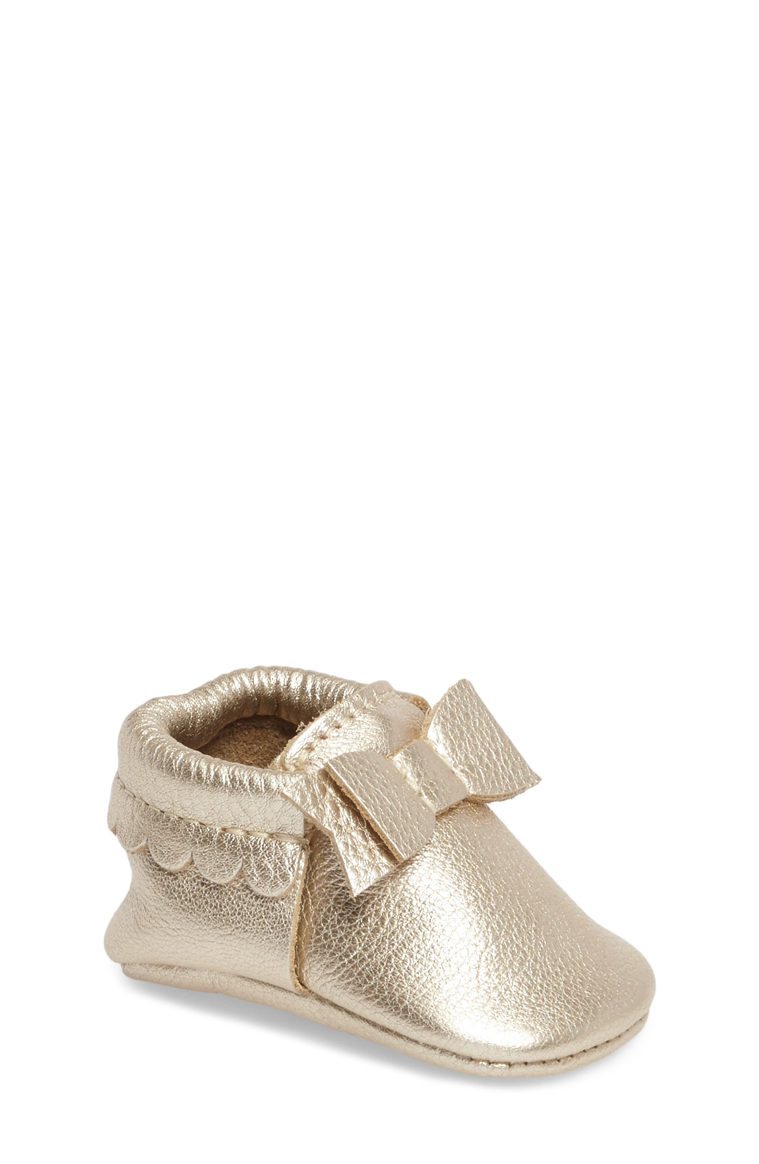 FRESHLY PICKED, Metallic Bow Moccasin, Main thumbnail 1, color, PLATINUM