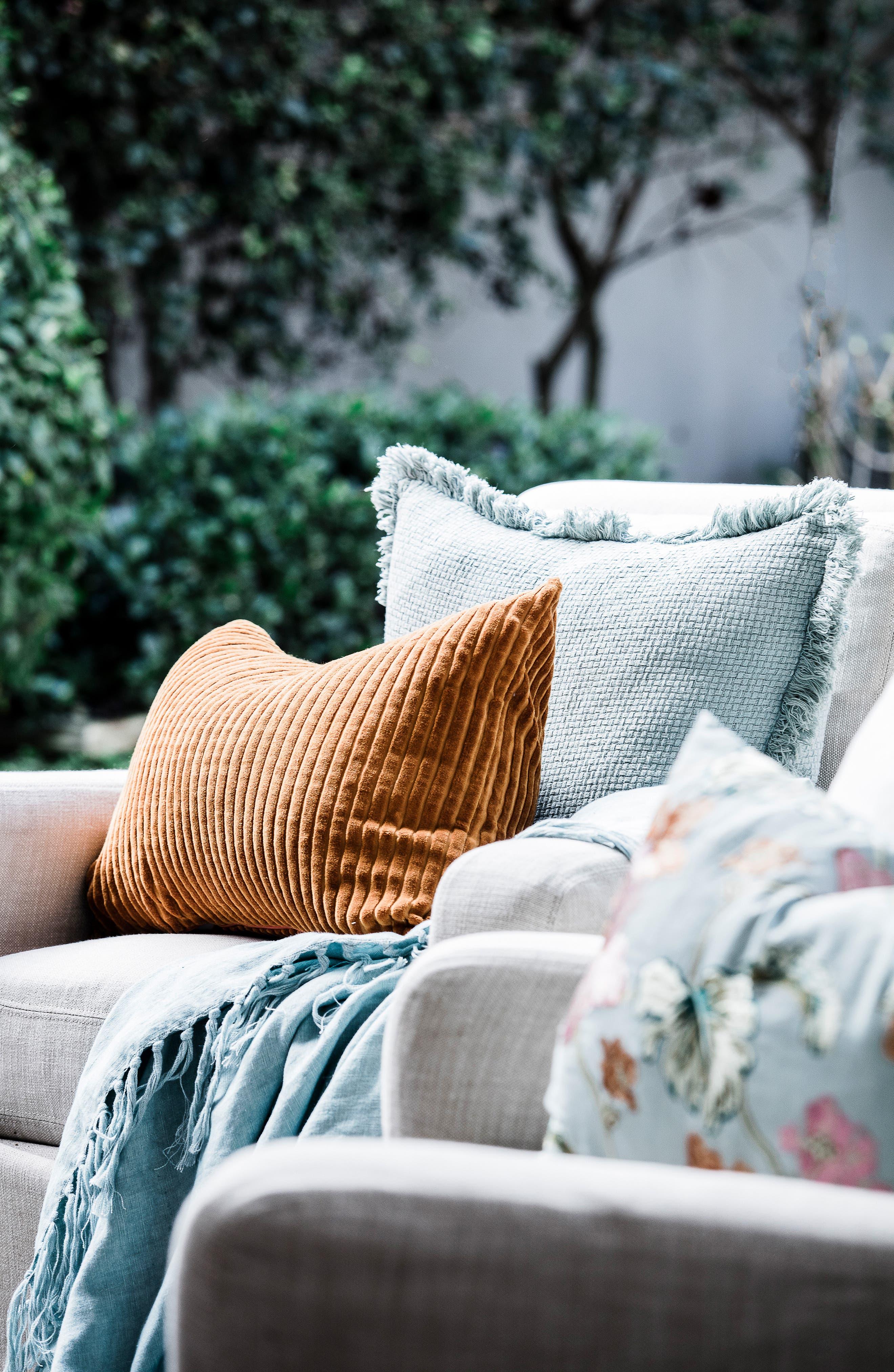 EADIE LIFESTYLE, Scatter Linen Accent Pillow, Alternate thumbnail 3, color, SEA MIST MULTI