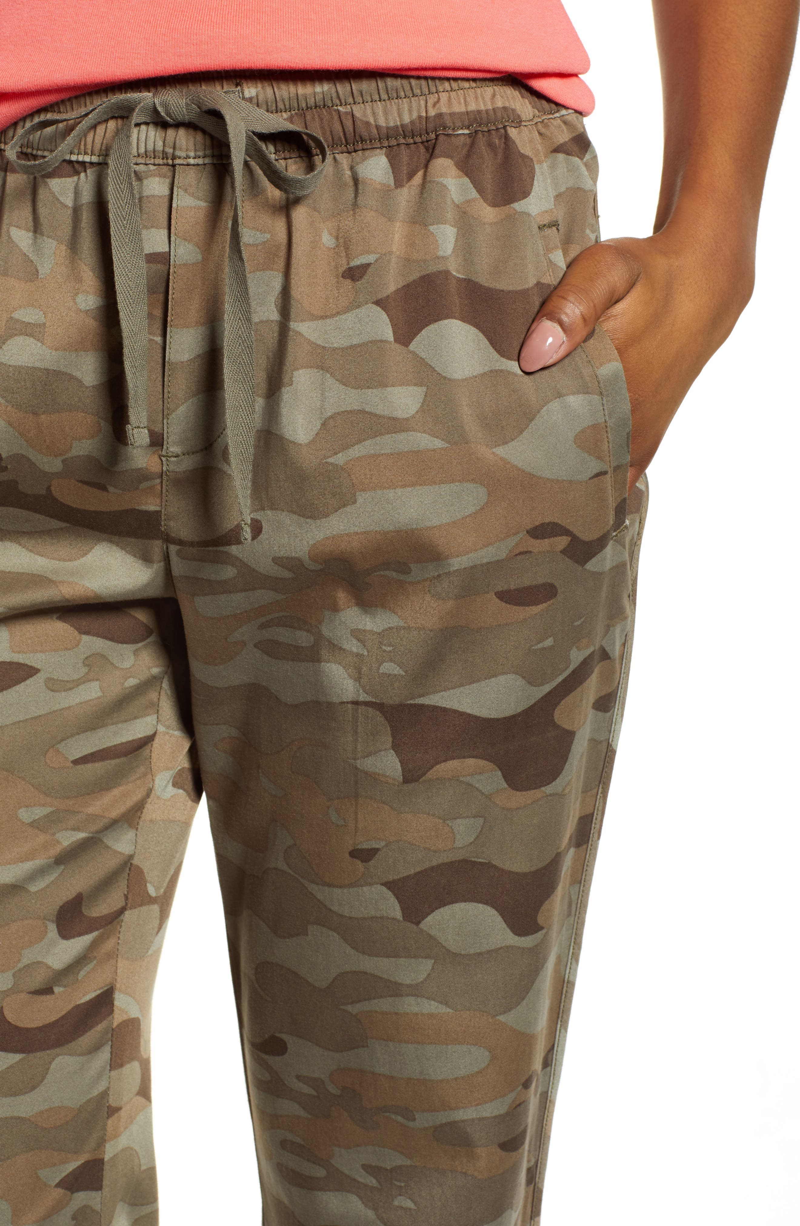 CASLON<SUP>®</SUP>, Sandwashed Pull-On Pants, Alternate thumbnail 4, color, OLIVE FADED LARGE CAMO PRINT