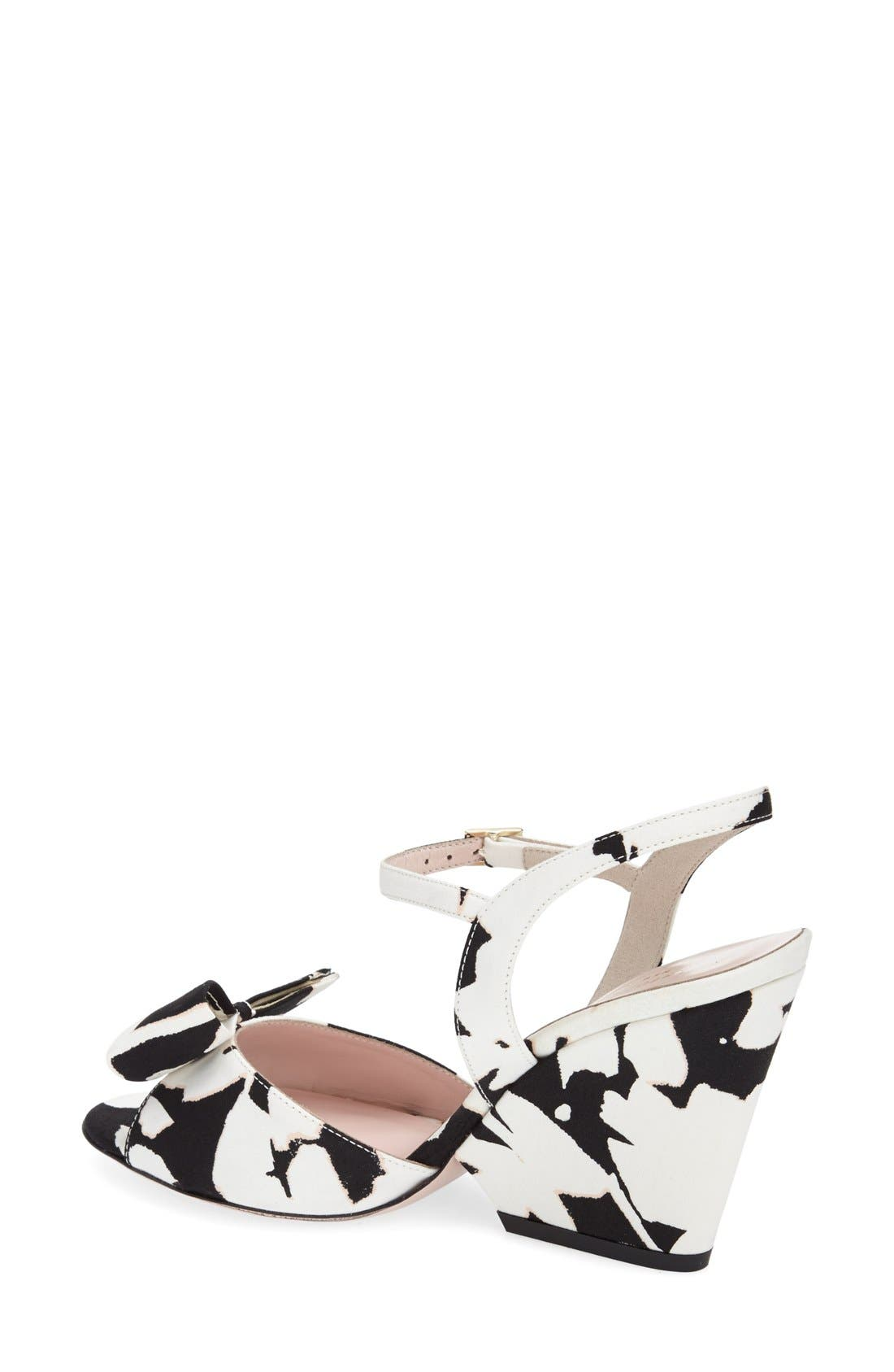 KATE SPADE NEW YORK, 'imari' satin ankle strap sandal, Alternate thumbnail 4, color, 001