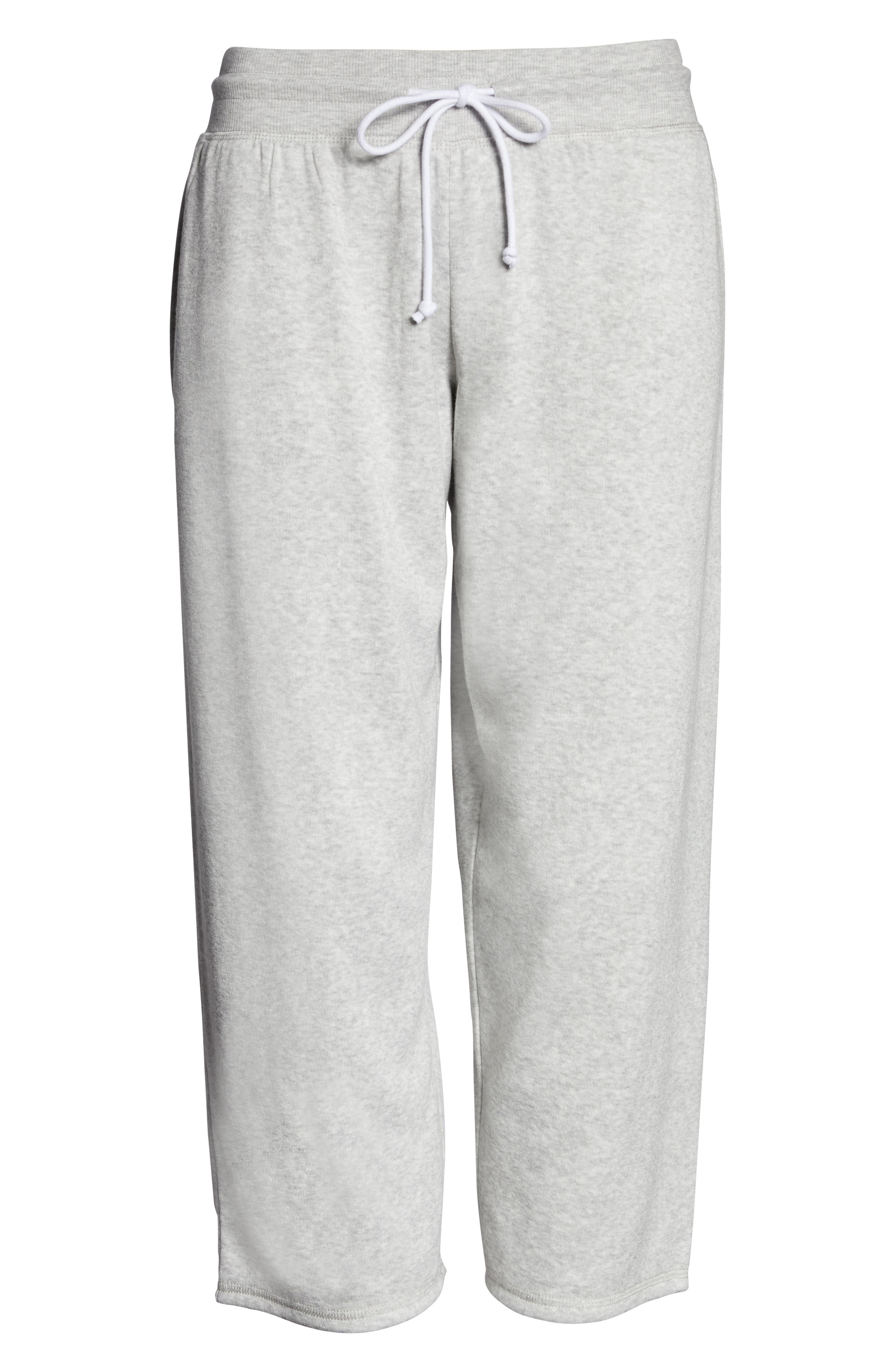 SOMETHING NAVY, Cropped Fleece Pants, Alternate thumbnail 7, color, GREY LIGHT HEATHER