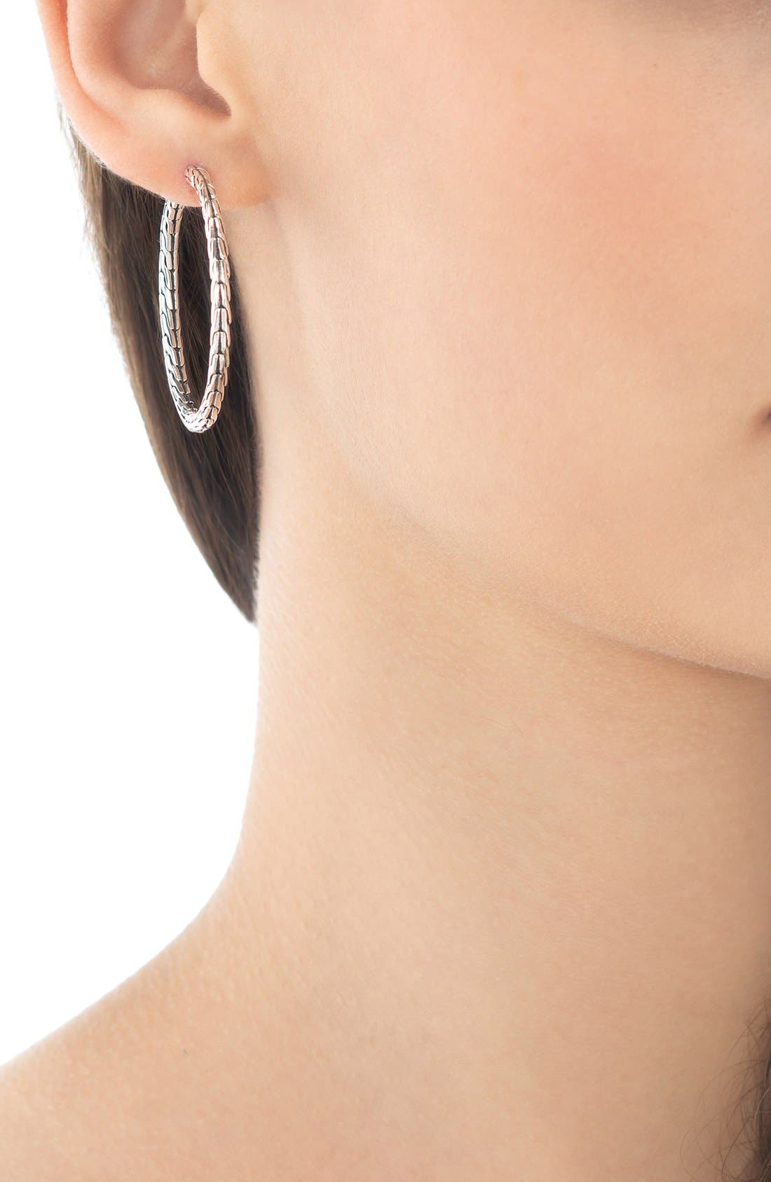 JOHN HARDY, 'Classic Chain' Medium Hoop Earrings, Alternate thumbnail 2, color, STERLING SILVER