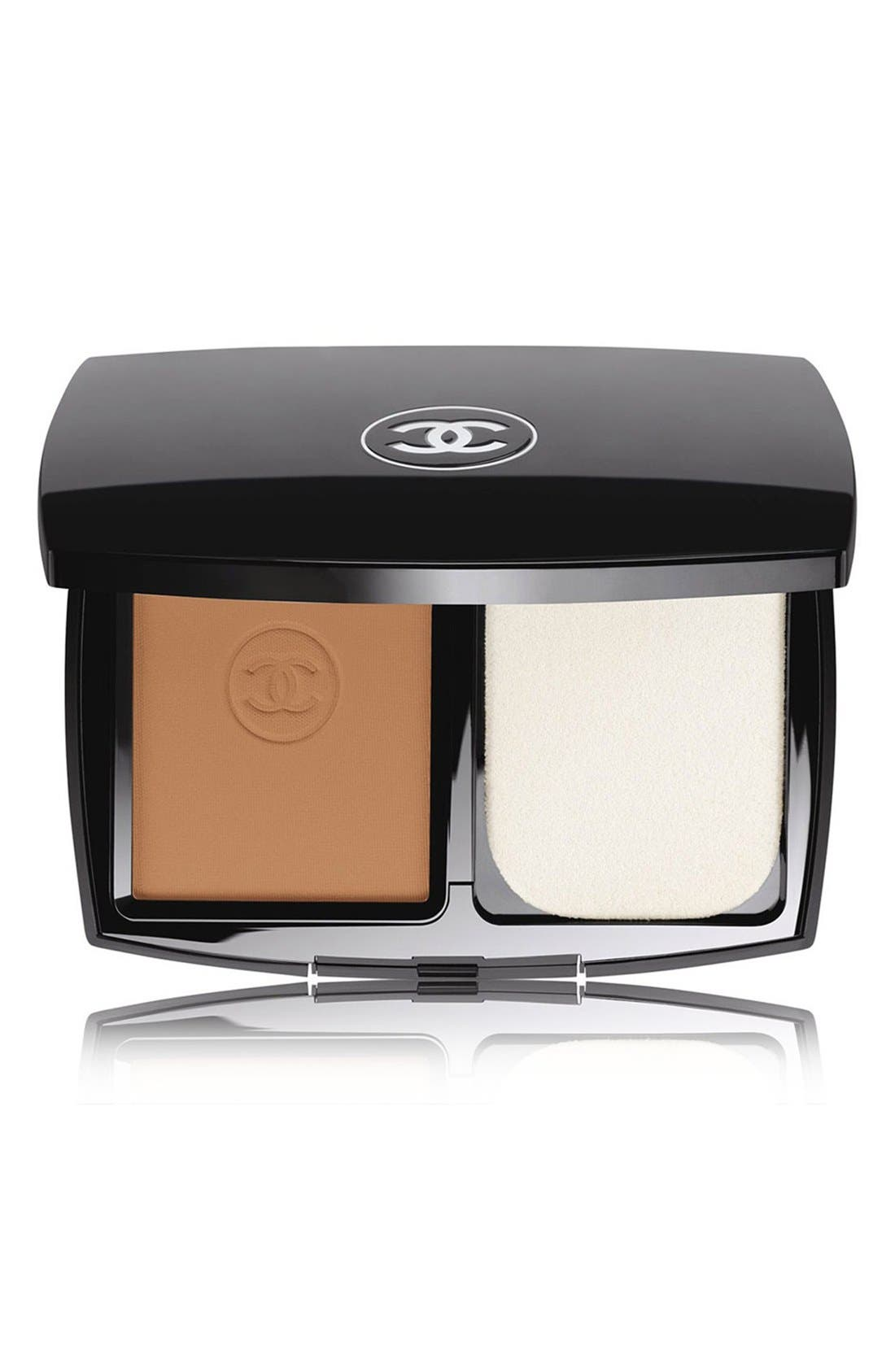 CHANEL, LE TEINT ULTRA TENUE<br />Ultrawear Flawless Compact Foundation Broad Spectrum SPF 15 Sunscreen, Main thumbnail 1, color, 91 CARAMEL