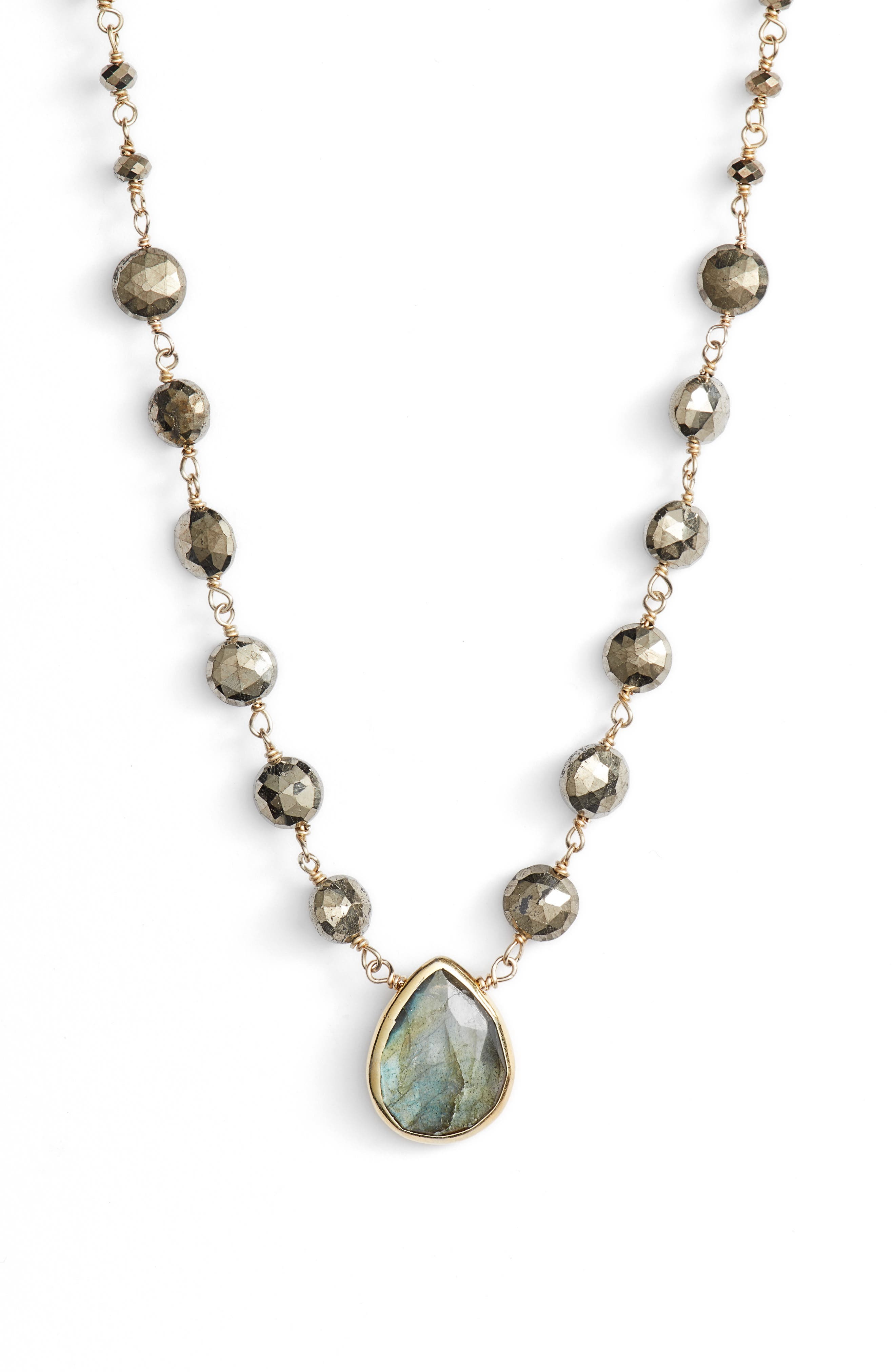Ara Collar Necklace