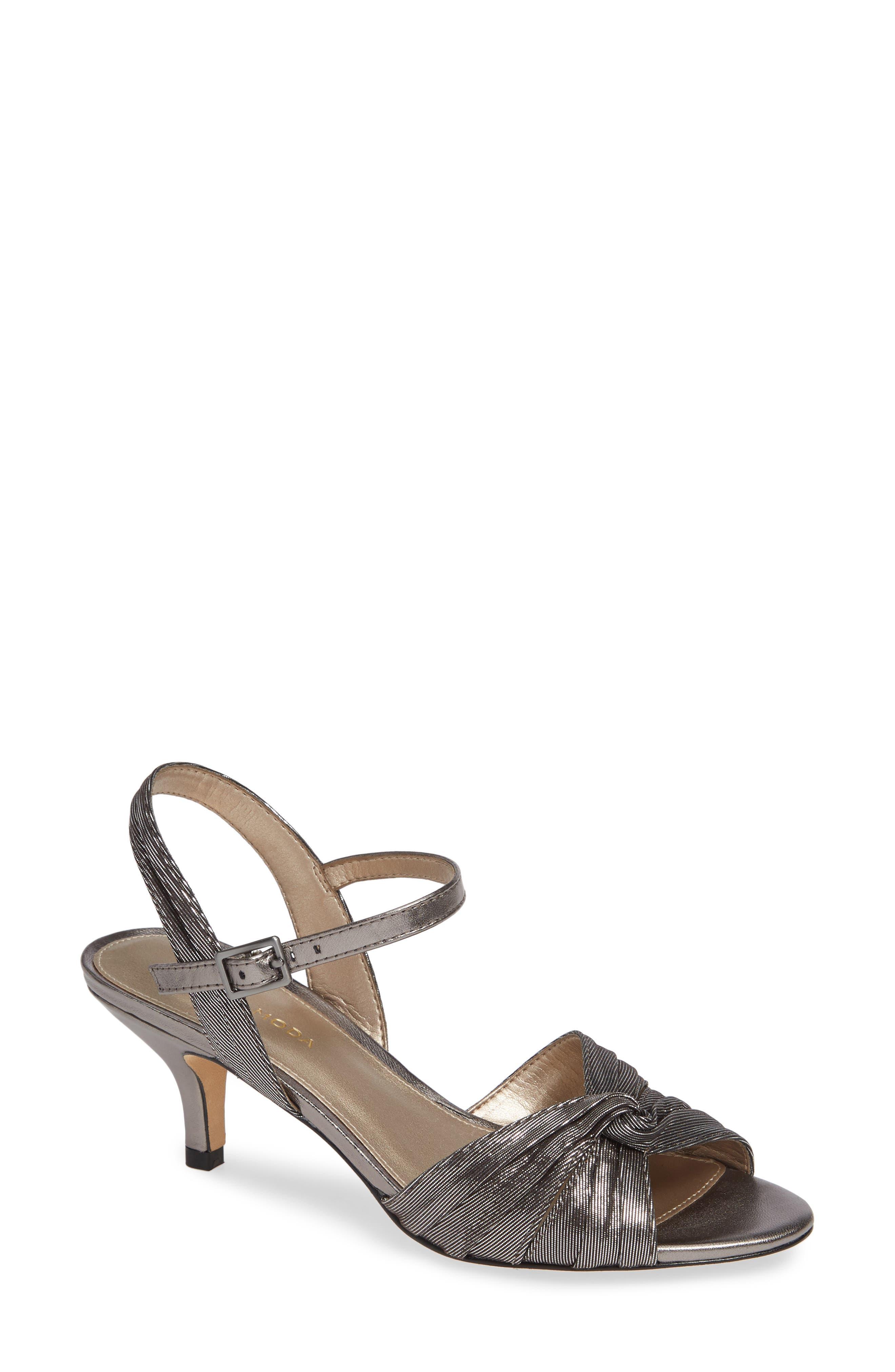 Pelle Moda Iliza Sandal, Metallic