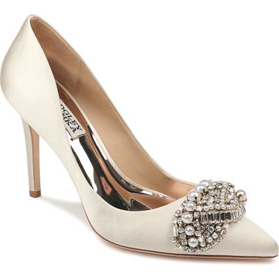 Badgley Mischka Olga Pump, Ivory