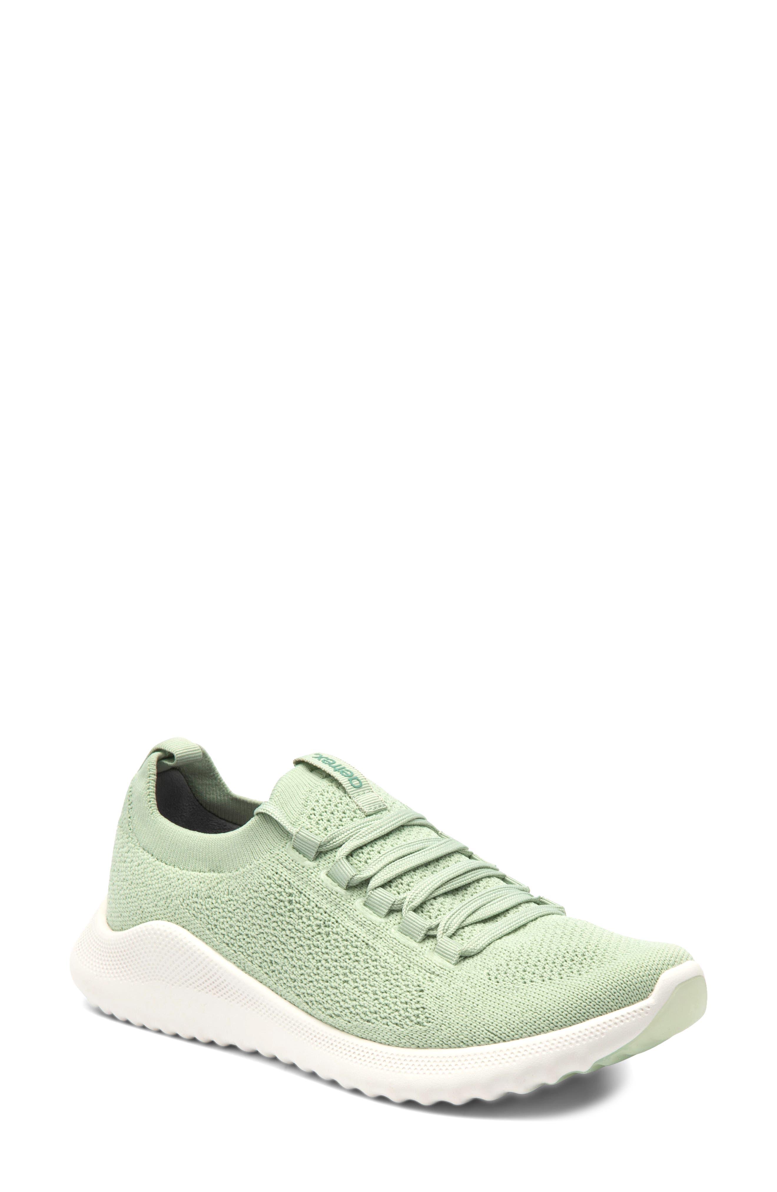 Carly Sneaker