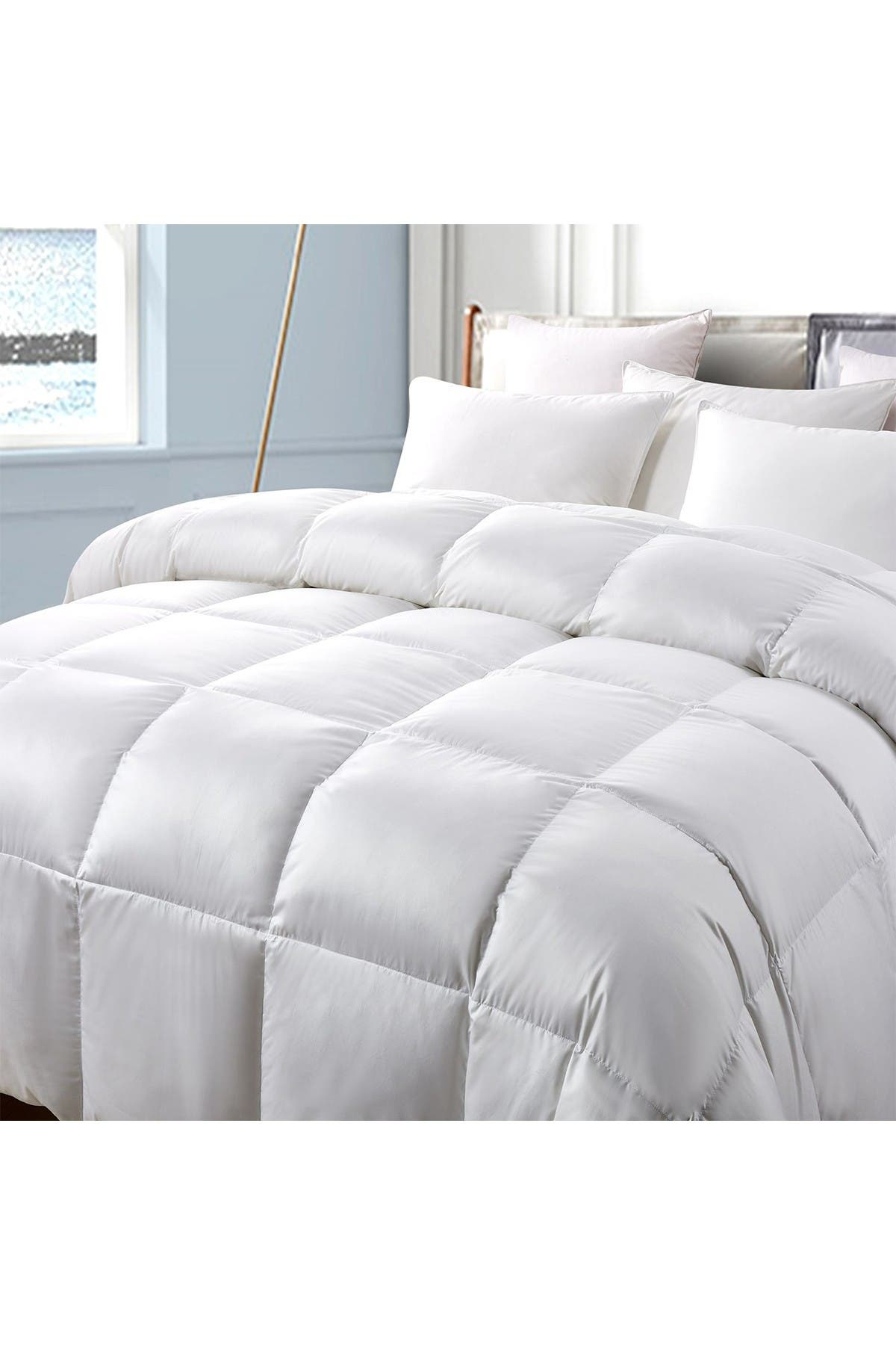 Image of Blue Ridge Home Fashions Serta 300TC Extra Warmth White Down & Feather Comforter - Twin - White
