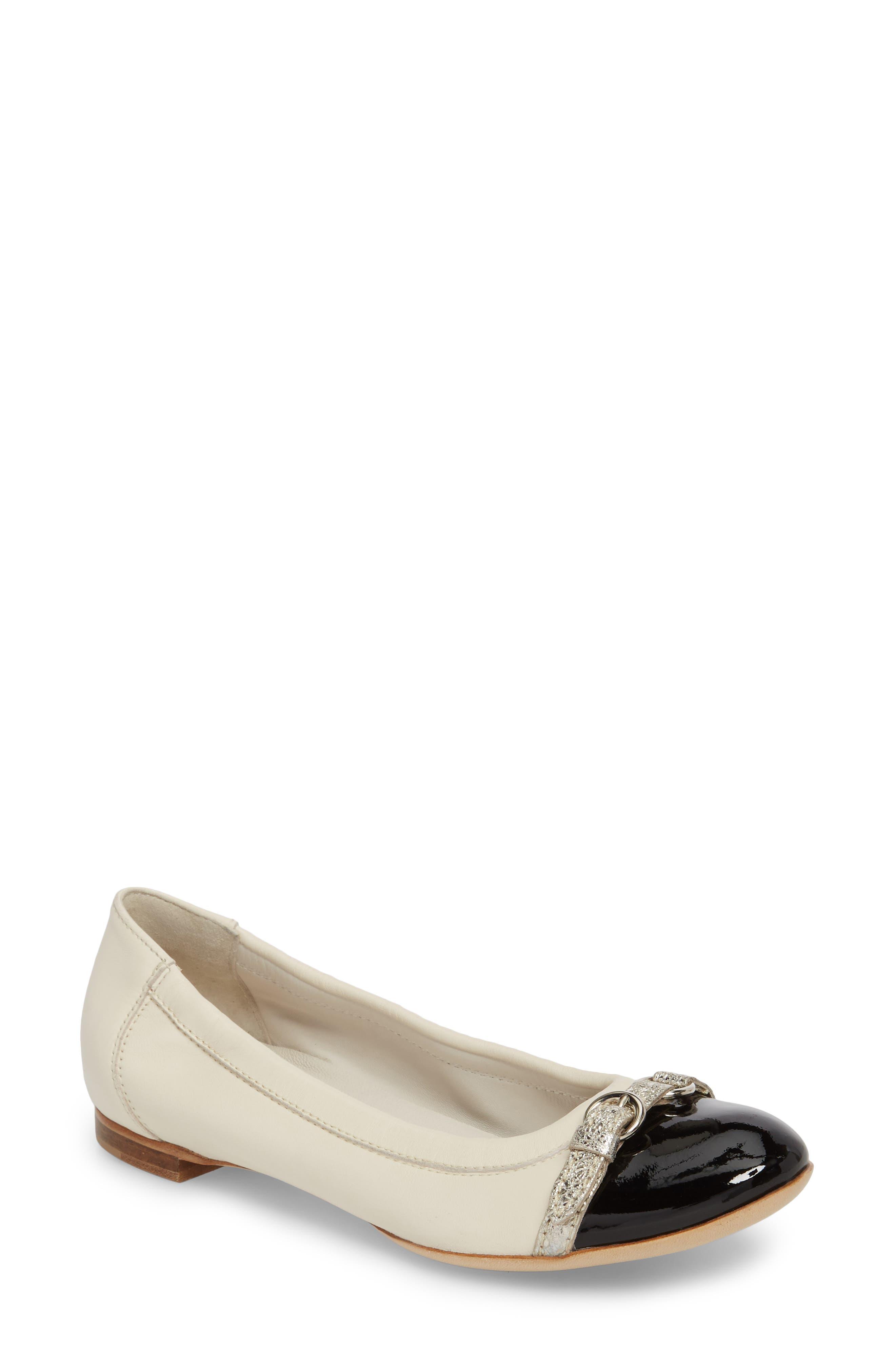 Agl Cap Toe Ballet Flat - White