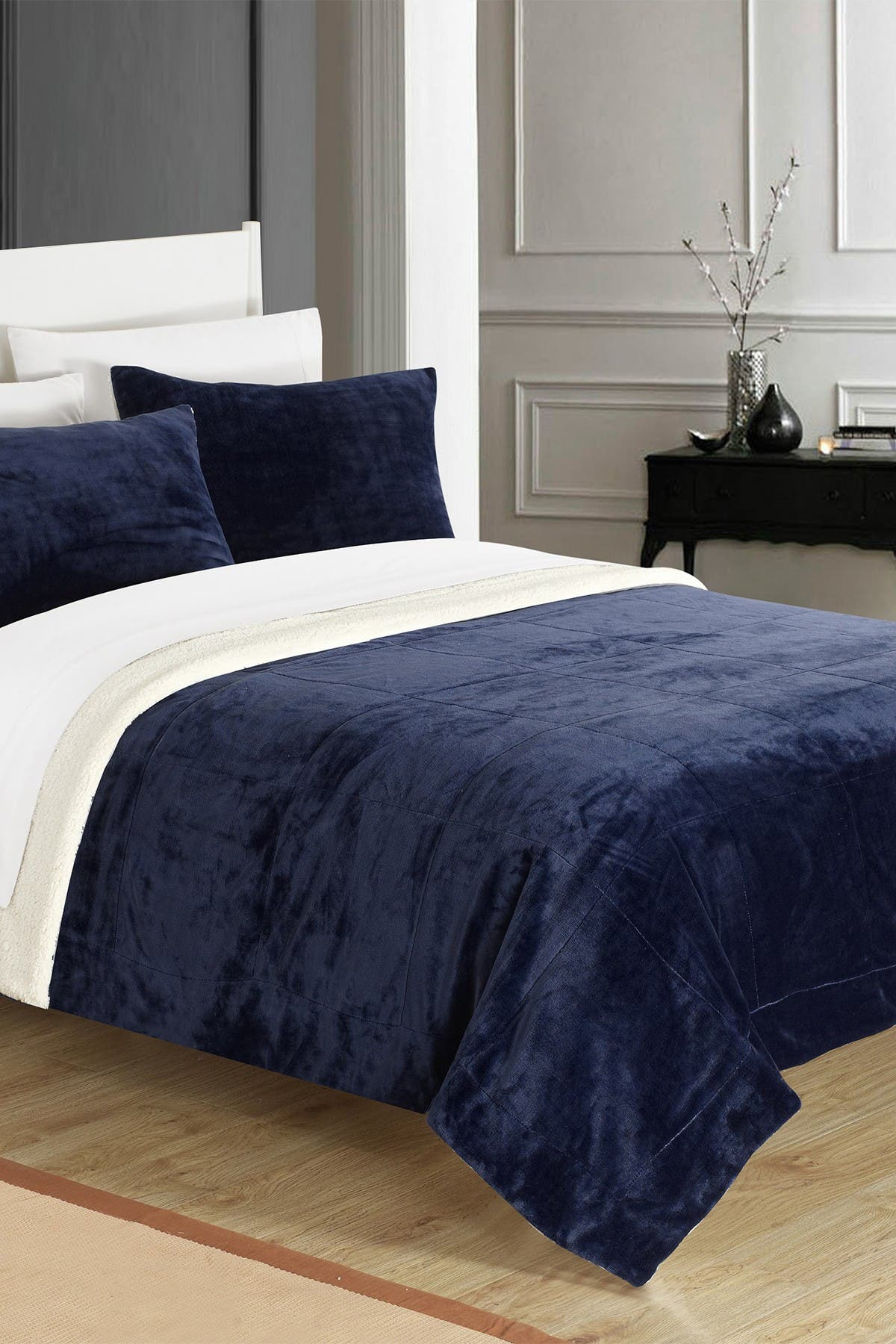 Image of Chic Home Bedding Queen Evelyn Faux Shearling Blanket Set - Navy