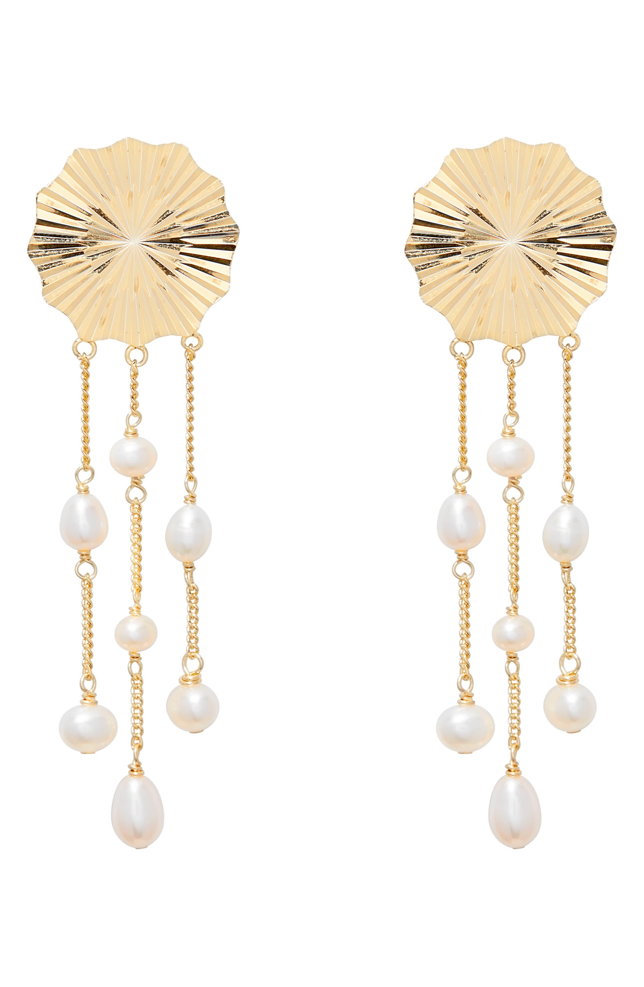 Alice Pearl Drop Earrings