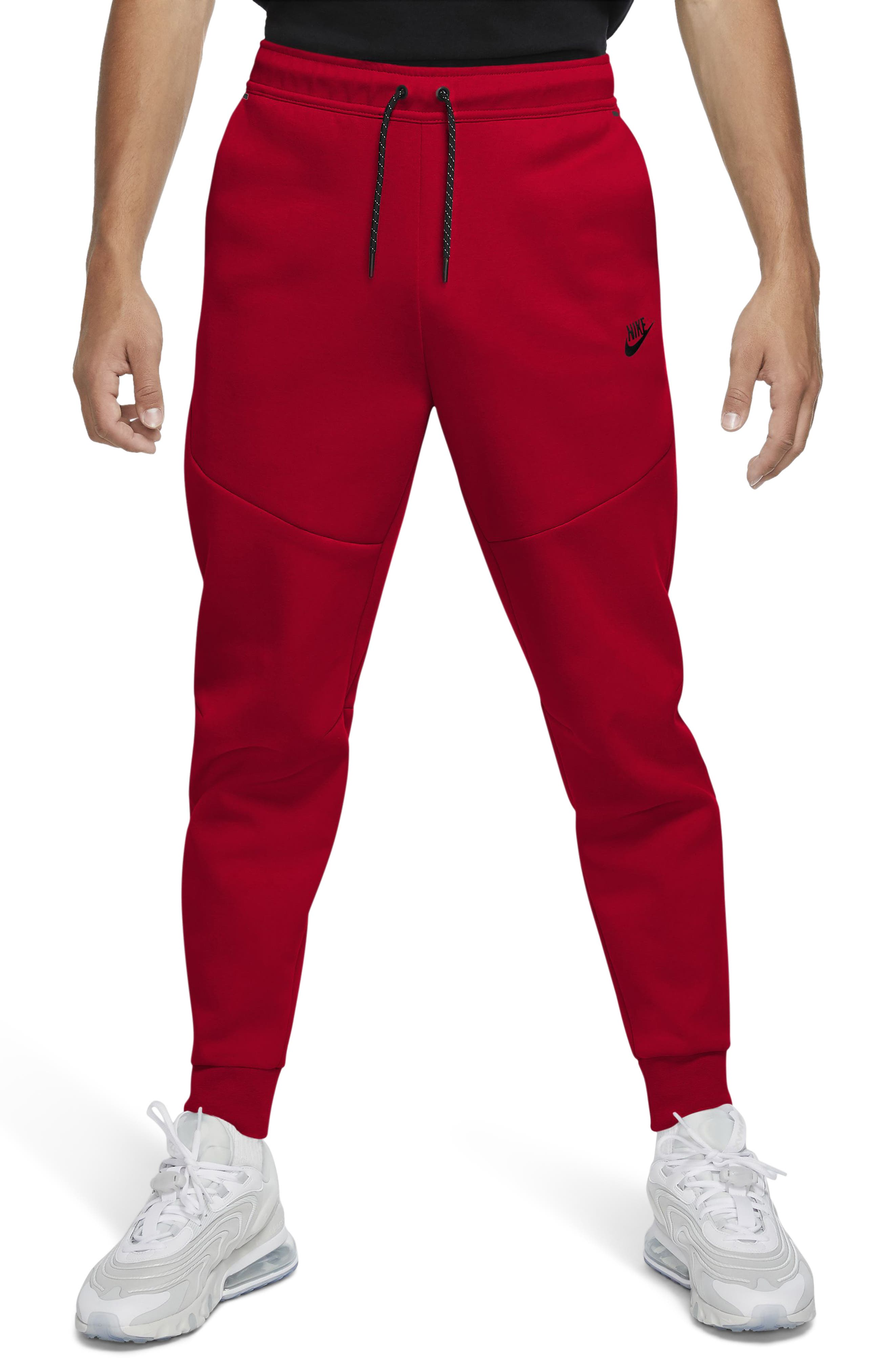 Nike Tech Fleece spacer knit retains heat without added bulk in jogger-style sweatpants that are relaxed through the thigh and taper below the knee. A zippered side pocket provides secure space for stowing small essentials. Style Name: Nike Men\\\'S Tech Fleece Jogger Sweatpants. Style Number: 6000465. Available in stores.