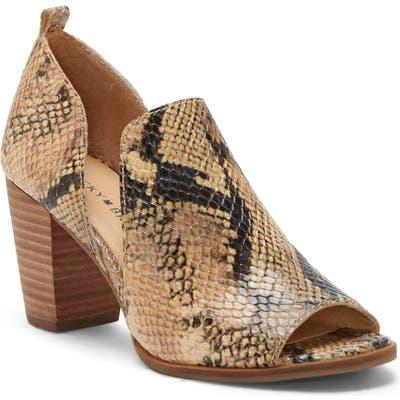Lucky Brand Junai Sandal- Beige
