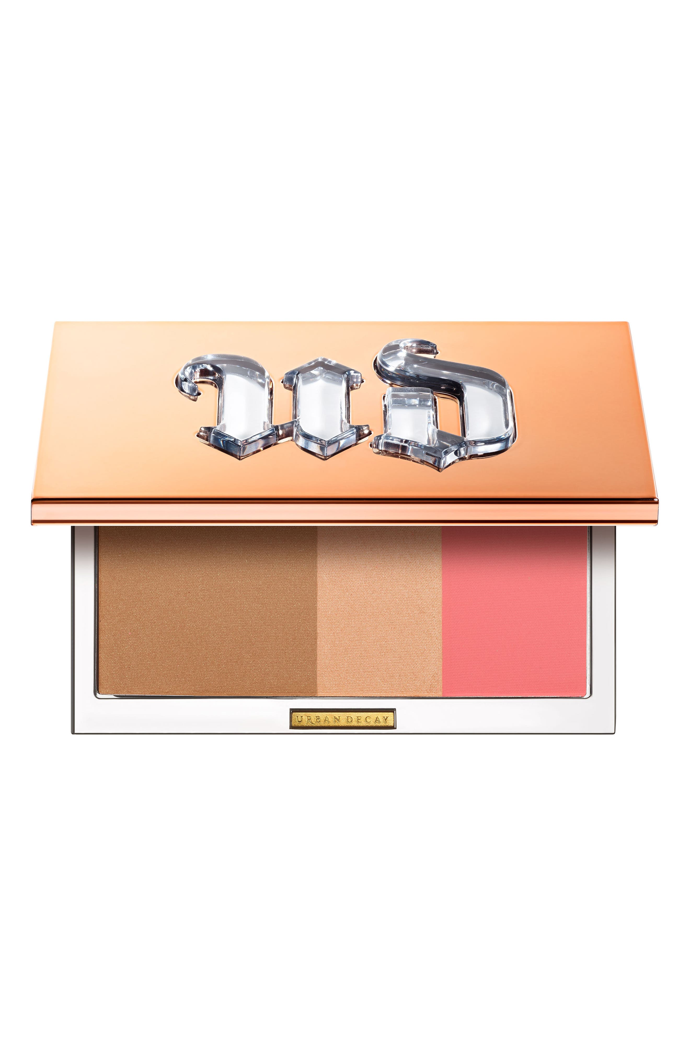 What it is: A 3-in-1 blush, bronzer and highlighter palette with a new and improved formula that\\\'s creamy, lightweight and lasts up to 14 hours. What it does: The dreamy, silky powder formula is blendable and buildable, without getting streaky or cakey. Infused with moringa seed oil, it contains antioxidant and anti-pollution properties that help balance and protect skin. Use the bronzer, highlighter and blush solo or combined for allover glow