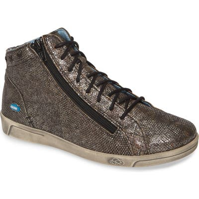 Cloud Aika High Top Sneaker, Grey