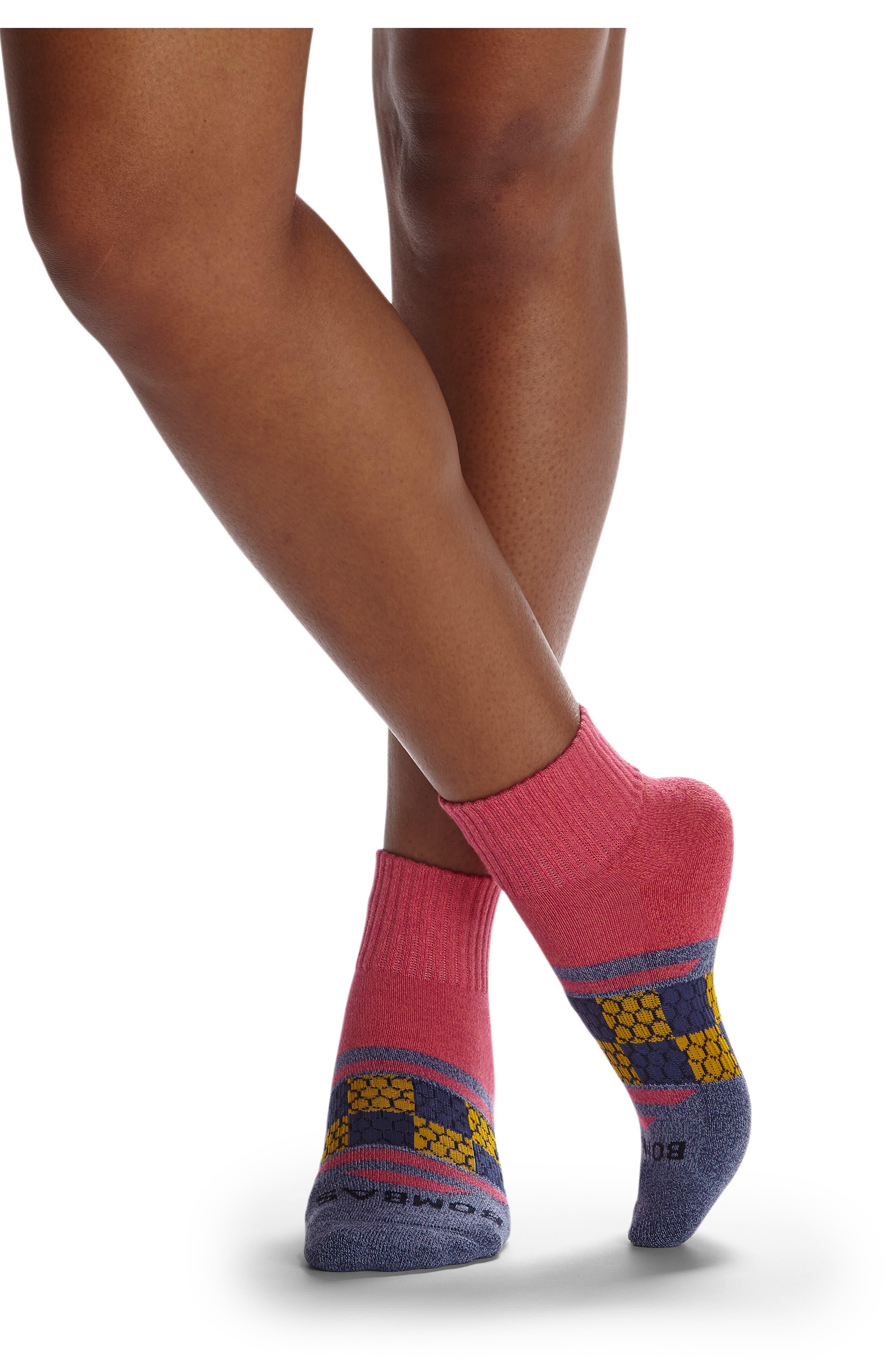 Triangular Strip Quarter Socks