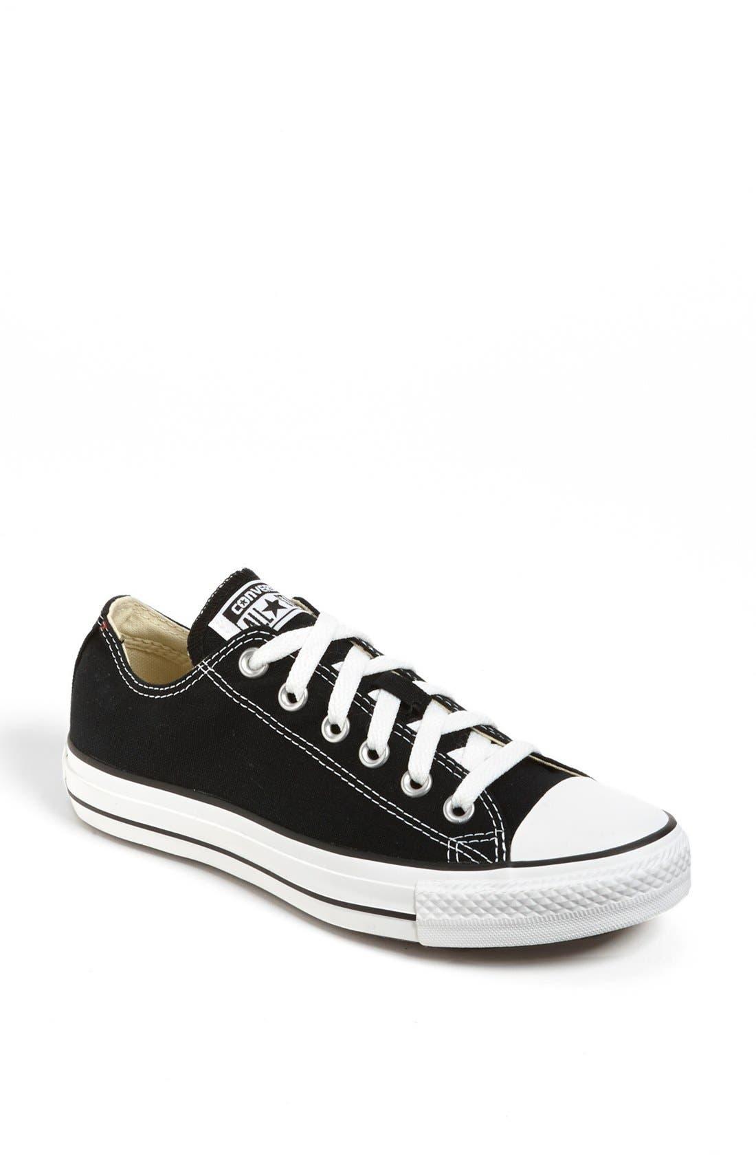 Converse Chuck Taylor Low Top Sneaker- Black