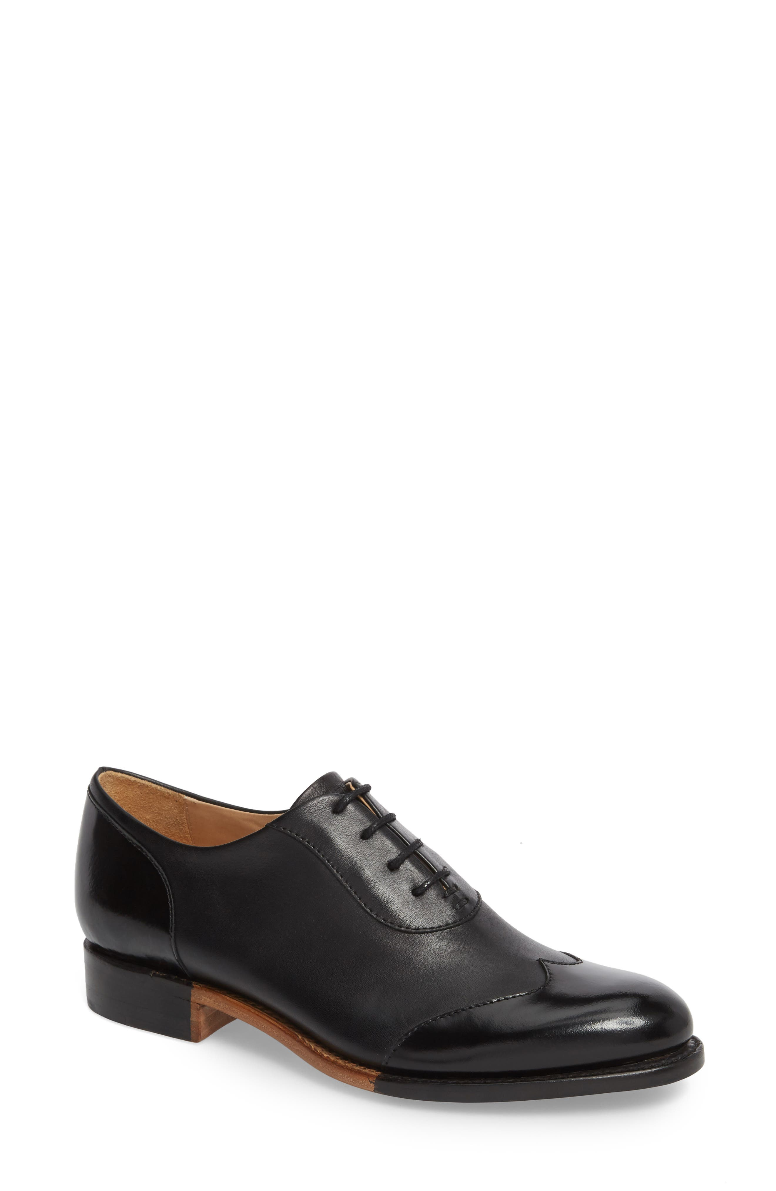 Whether it\\\'s an office meeting or weekend meet-up, rock it in wingtip loafers made modern with contrast detailing at the sole. Style Name: The Office Of Angela Scott Mr. Evans Oxford (Women). Style Number: 5616683 1. Available in stores.