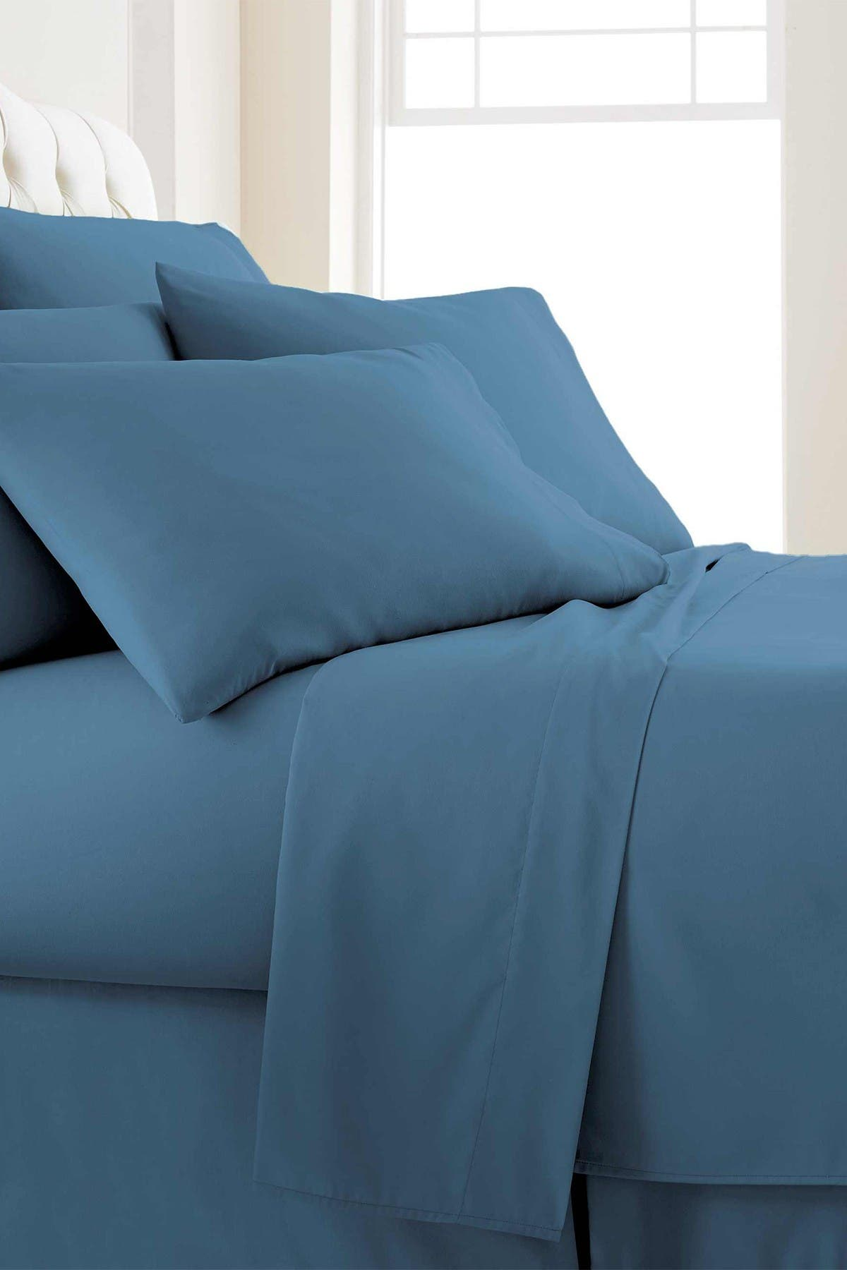Image of SOUTHSHORE FINE LINENS Queen Sized Vilano Springs Extra Deep Pocket Sheet Set - Coronet Blue