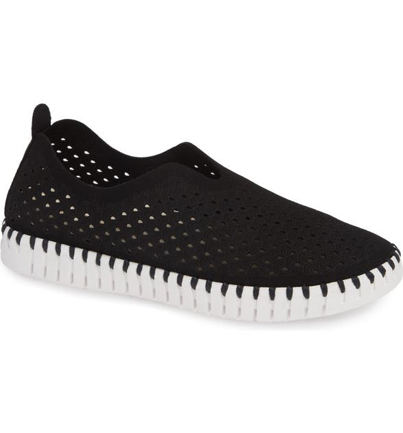 Ilse Jacobsen Sneakers Tulip 139 Perforated Slip-On Sneaker