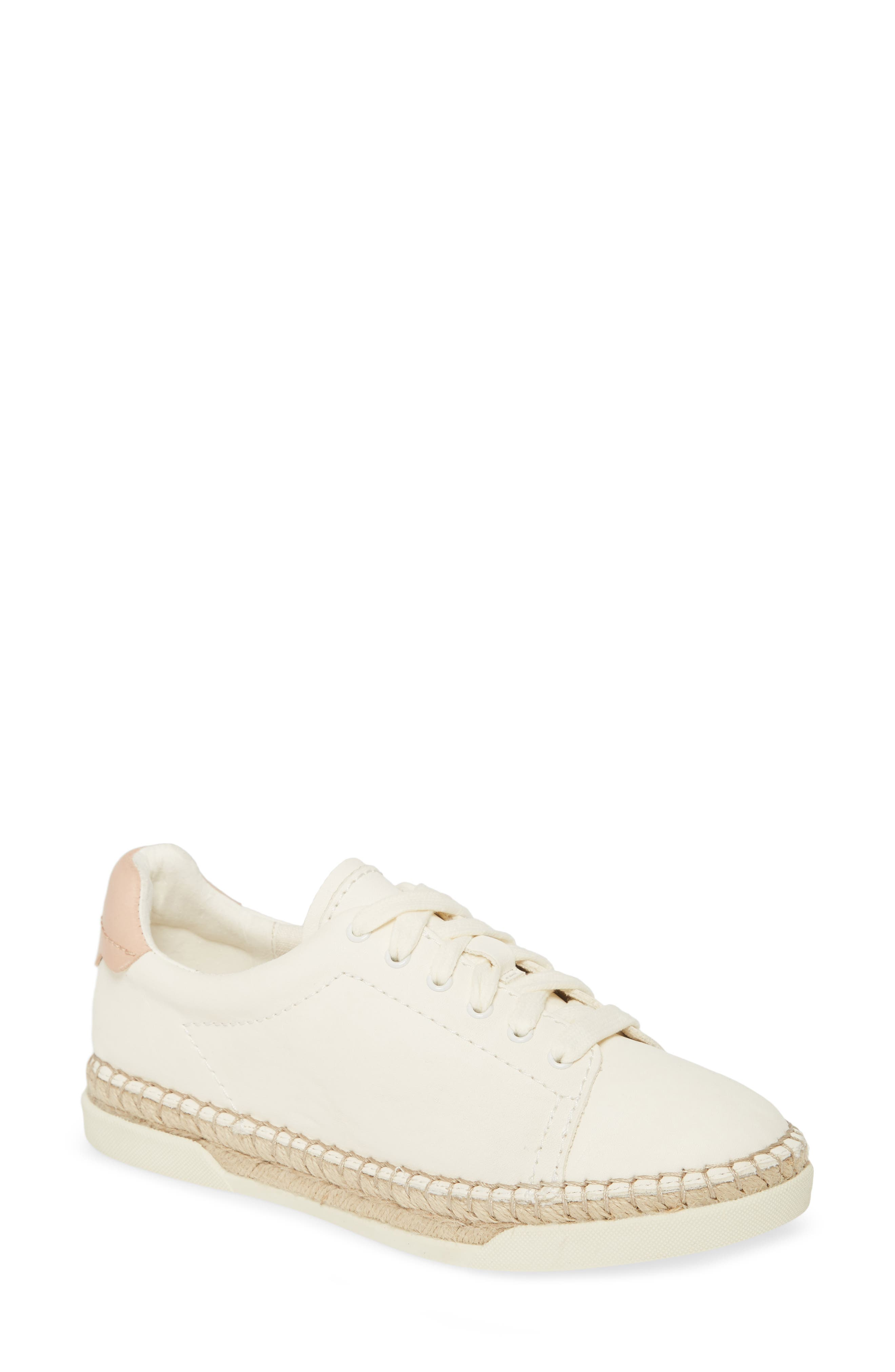 Madox Leather Low Top Sneakers In White