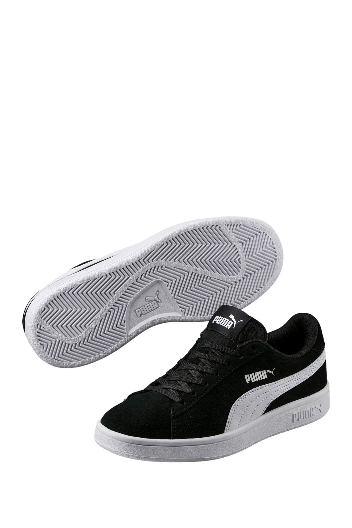 Image of PUMA Smash V2 Sneaker