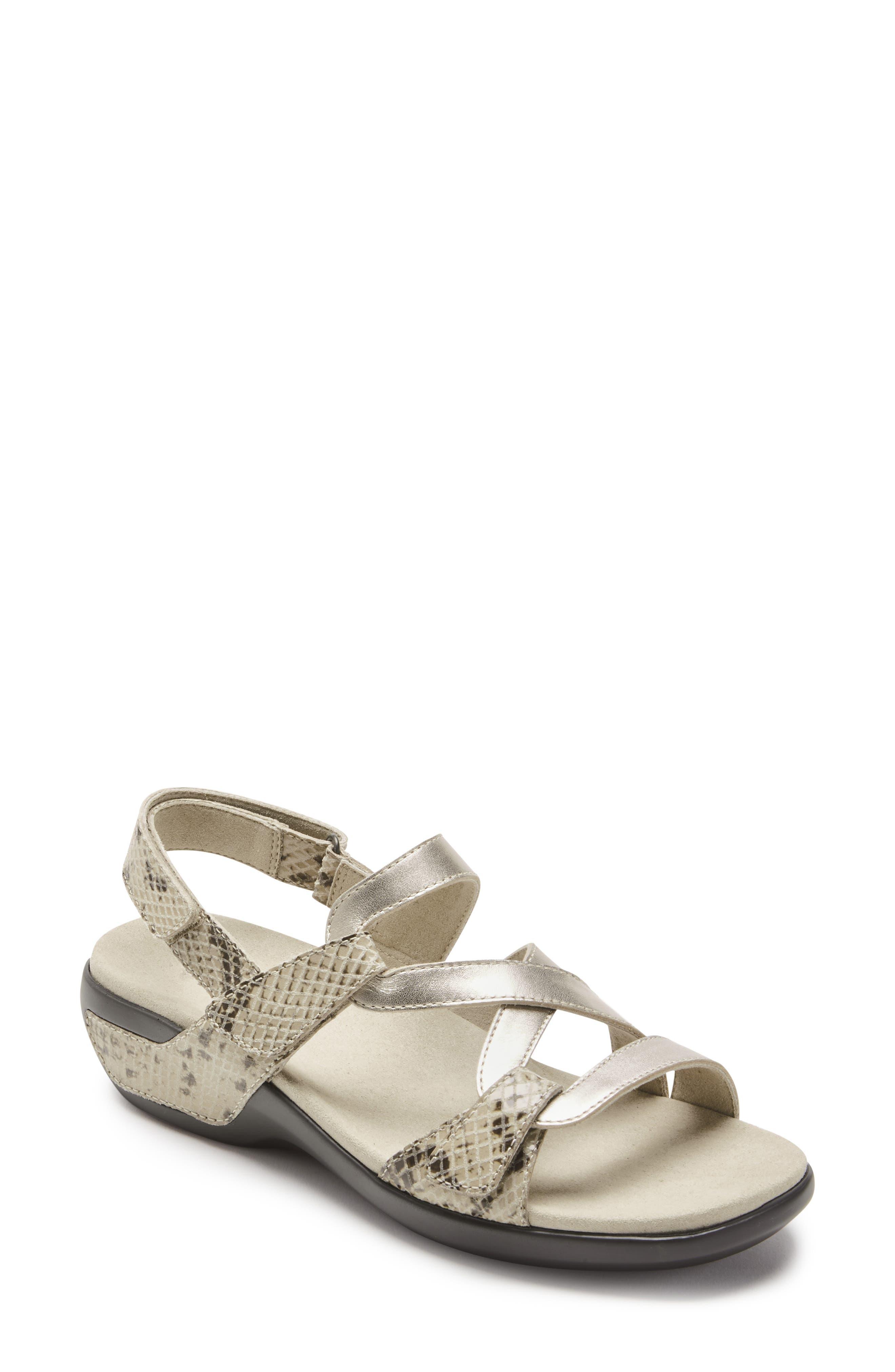 Power Comfort Curvy Strap Sandal