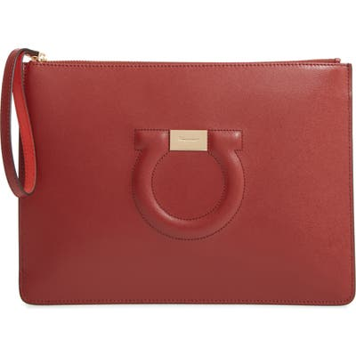 Salvatore Ferragamo City Quilted Gancio Leather Wristlet - Red