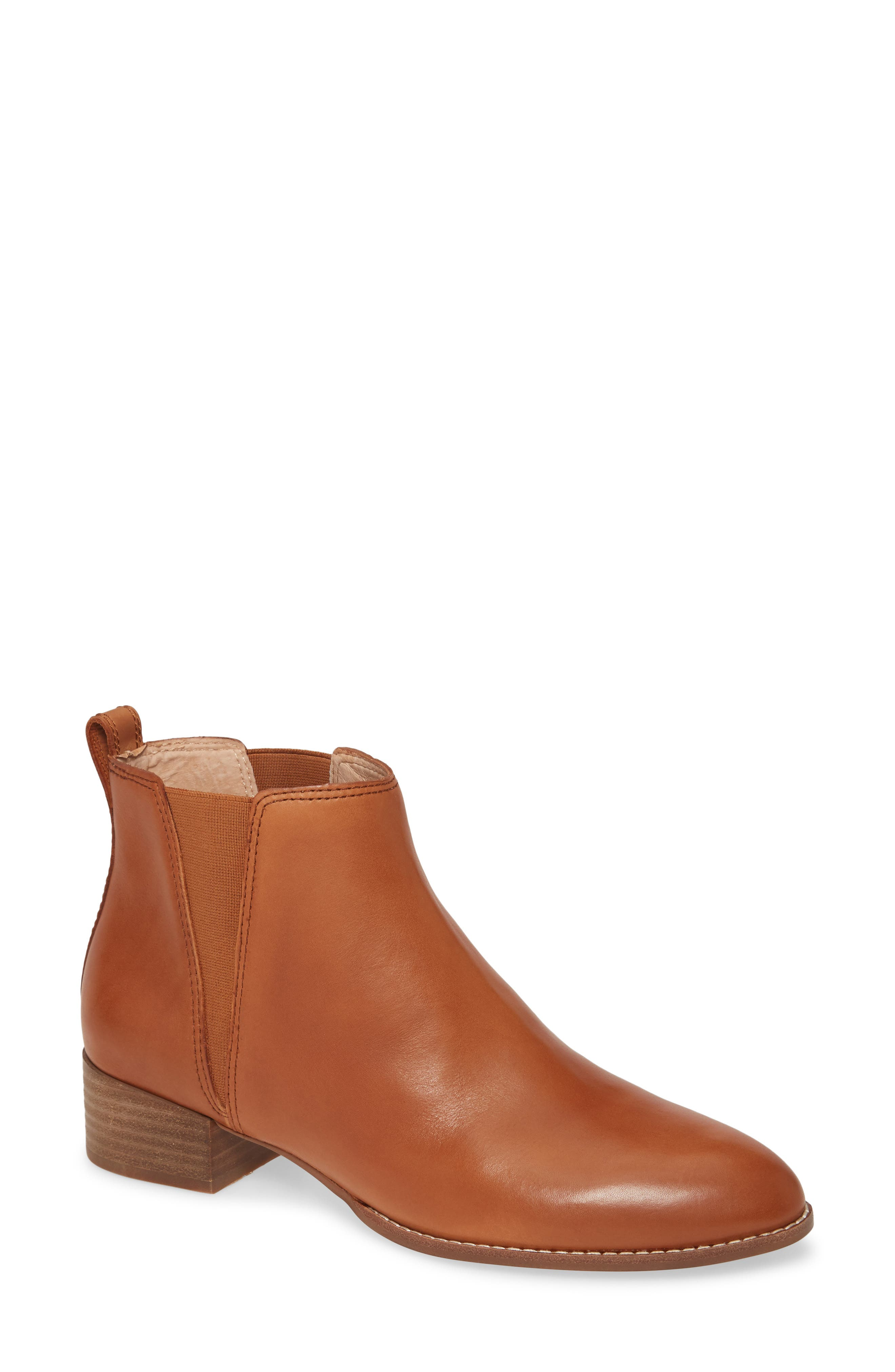 With a rounded toe and stacked heel that\'s perfect for walking around in all day, this Chelsea boot is a wear-everywhere style standby. Style Name: Madewell The Carina Bootie (Women). Style Number: 5906954. Available in stores.