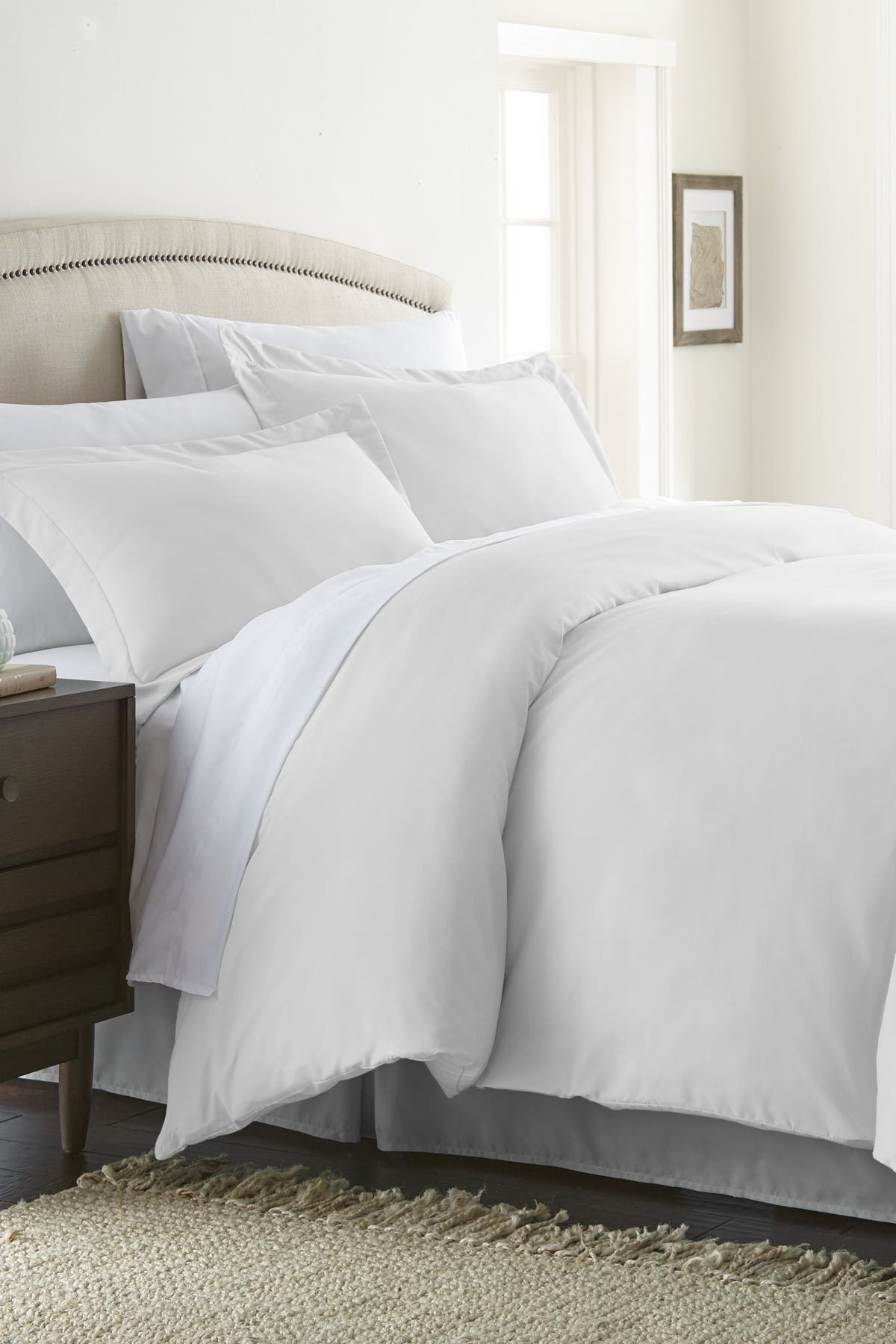 Image of IENJOY HOME Home Collection Premium Ultra Soft 3-Piece Full/Queen Duvet Cover Set - White