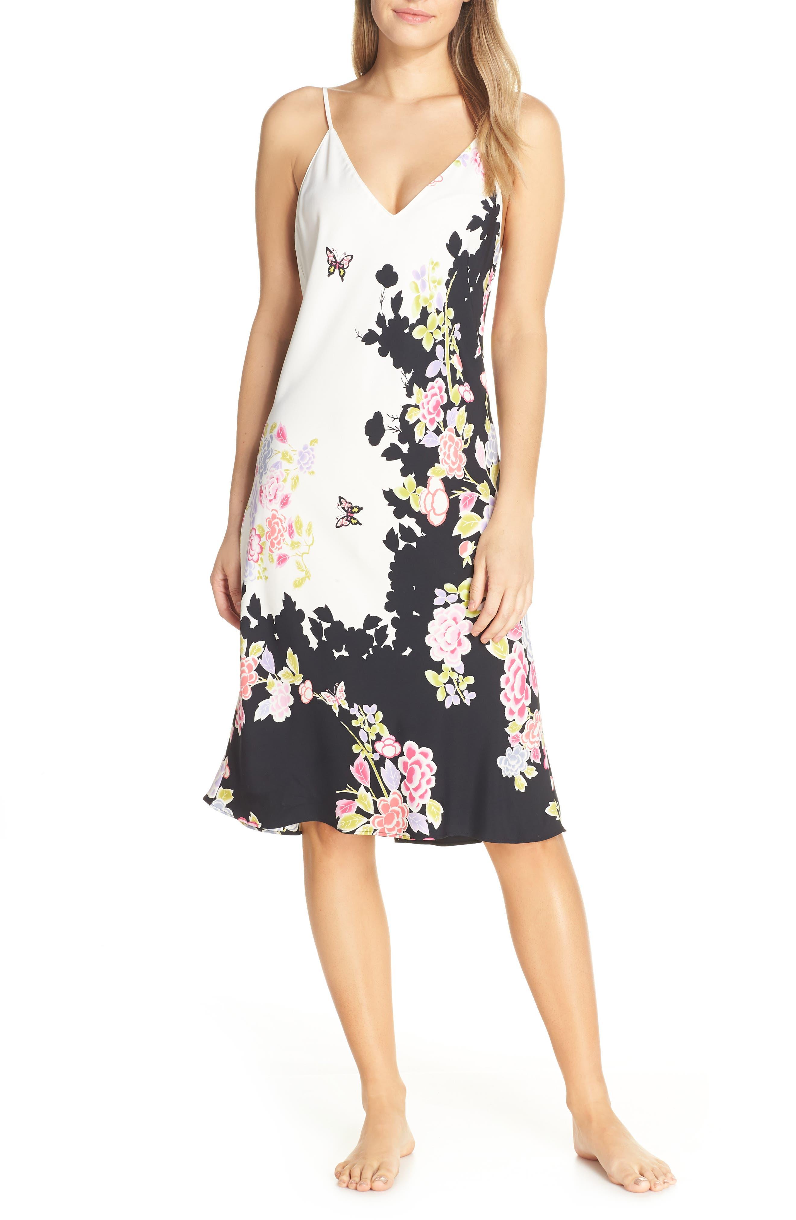 Natori Gardenia Nightgown, Black