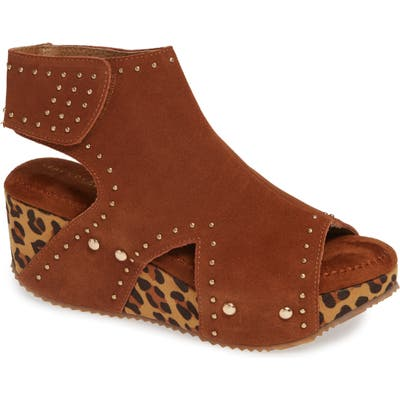 Very Volatile Betsy Platform Wedge Sandal, Brown