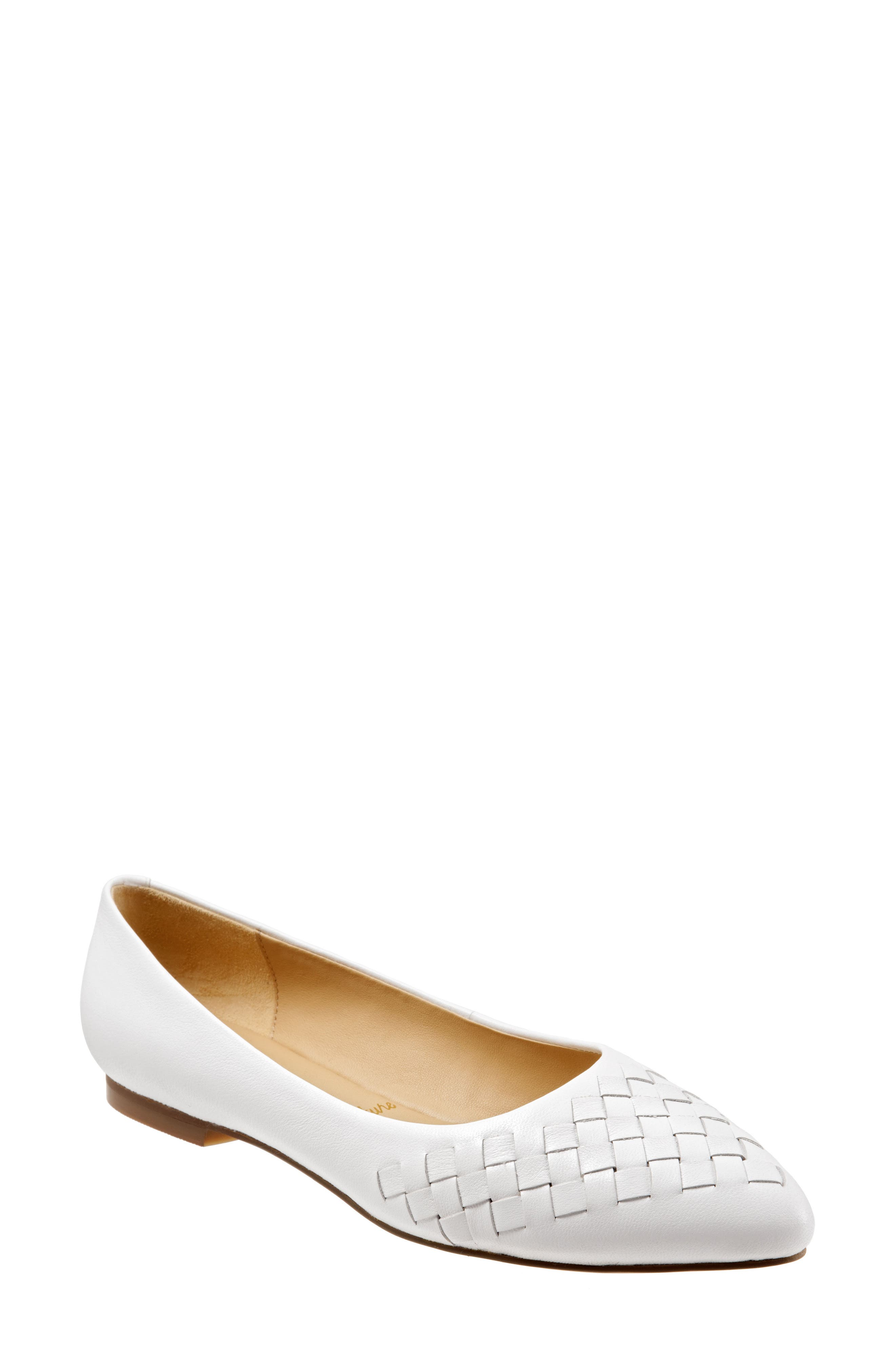Trotters Estee Pointed Toe Flat, White