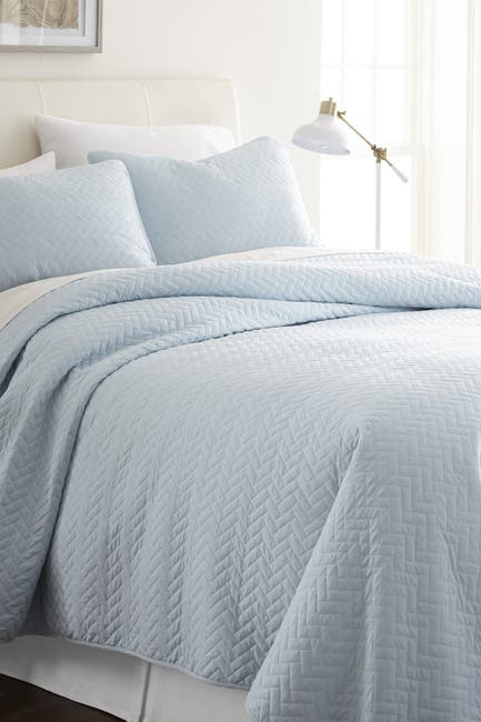 Image of IENJOY HOME Home Spun Premium Ultra Soft Herring Pattern Quilted Twin Coverlet Set - Pale Blue