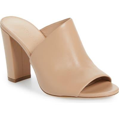 Vince Hanna Block Heel Sandal