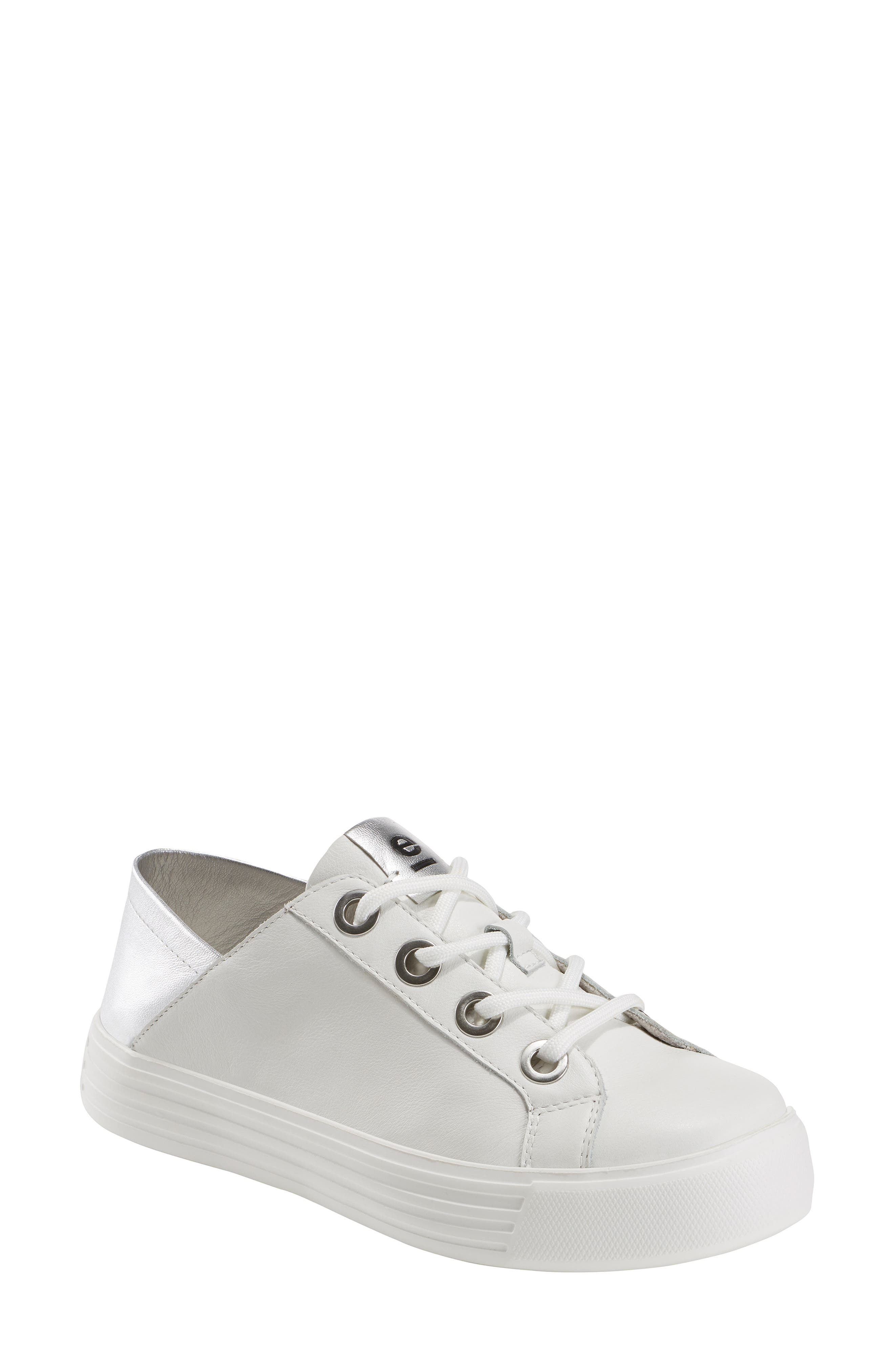 Earth Cedarwood Convertible Sneaker- White