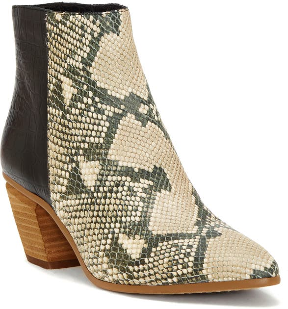 Vince Camuto Boots GRASEM POINTED TOE WESTERN BOOT