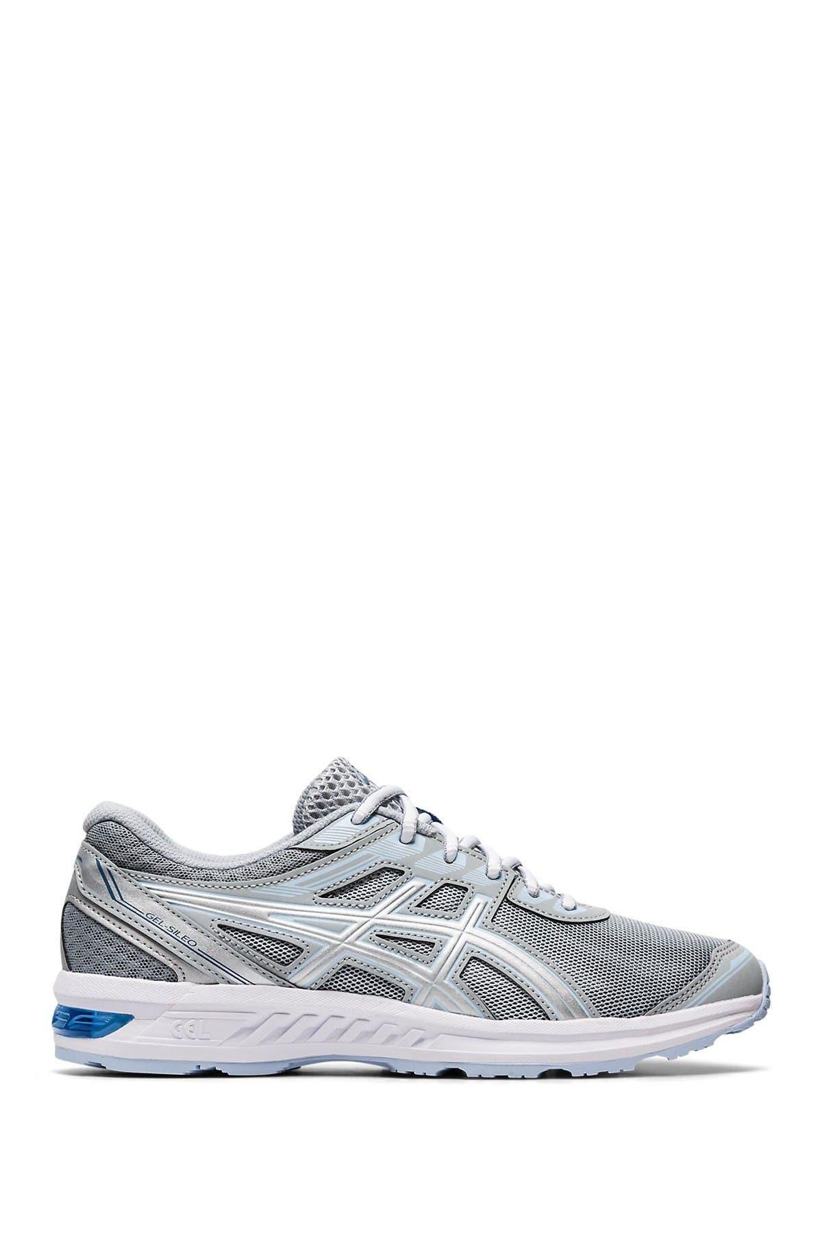 ASICS   GEL-Sileo Running Sneaker