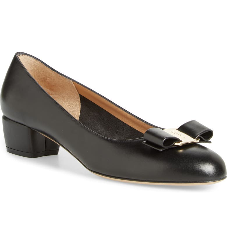 SALVATORE FERRAGAMO Vara Pump, Main, color, BLACK CALF LEATHER