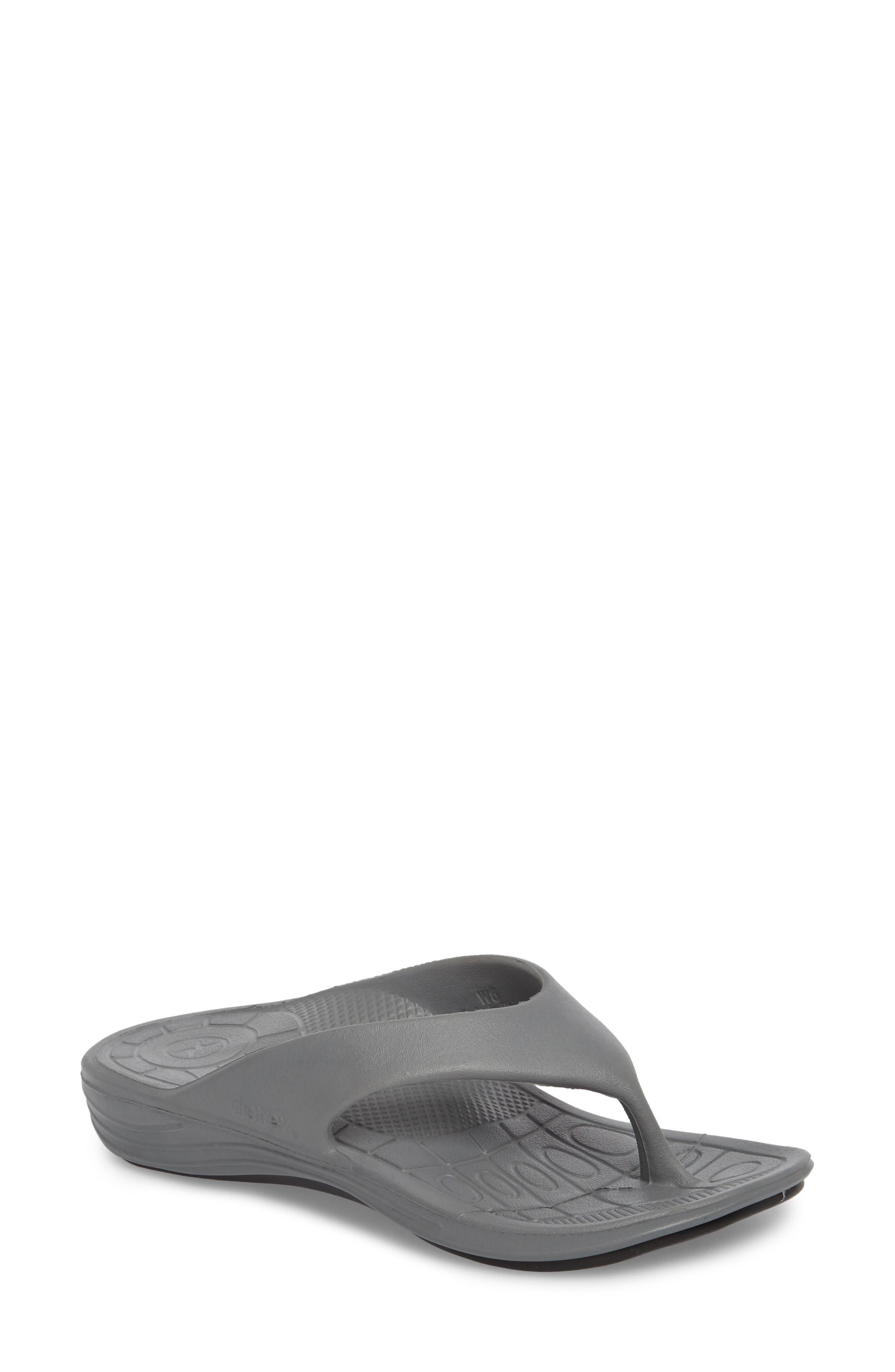 Aetrex Lynco Flip Flop, Grey