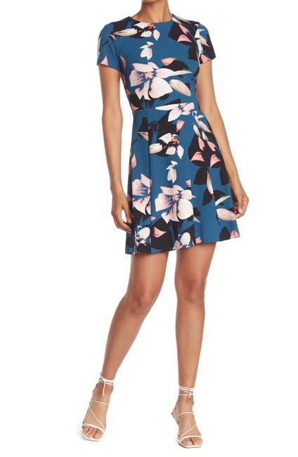 Image of Vince Camuto Floral Short Sleeve Scuba Crepe Dress