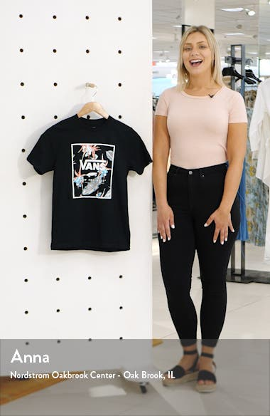 Print Box Graphic T-Shirt, sales video thumbnail