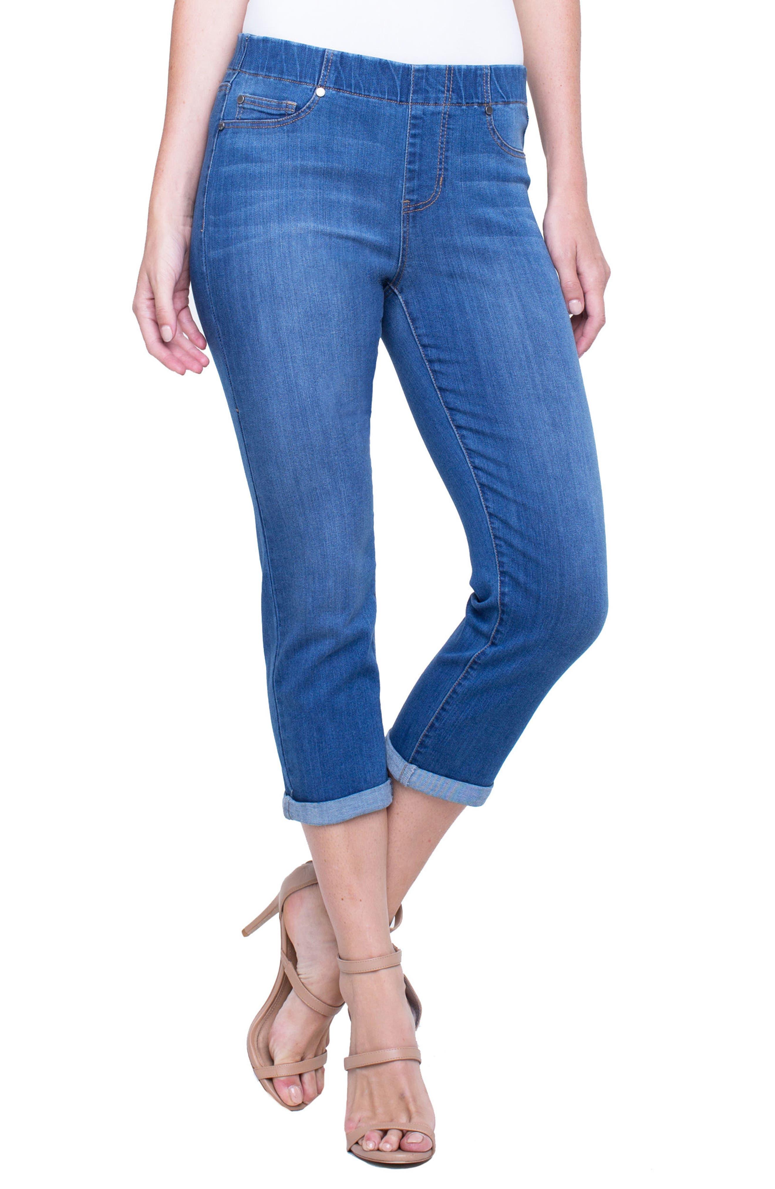 Chloe Pull-On Roll Cuff Capri Jeans