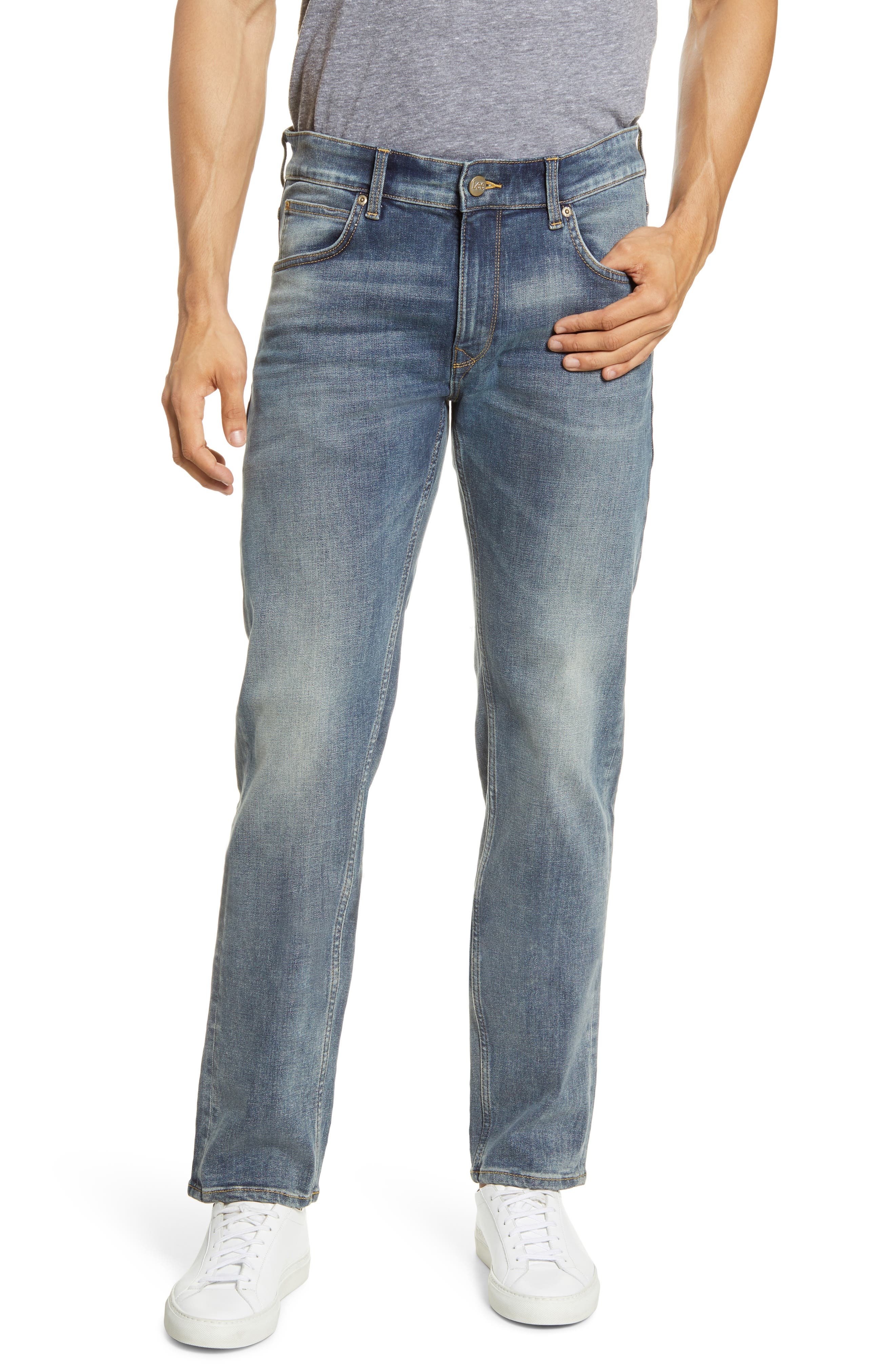 Modern Slim Fit Tapered Jeans