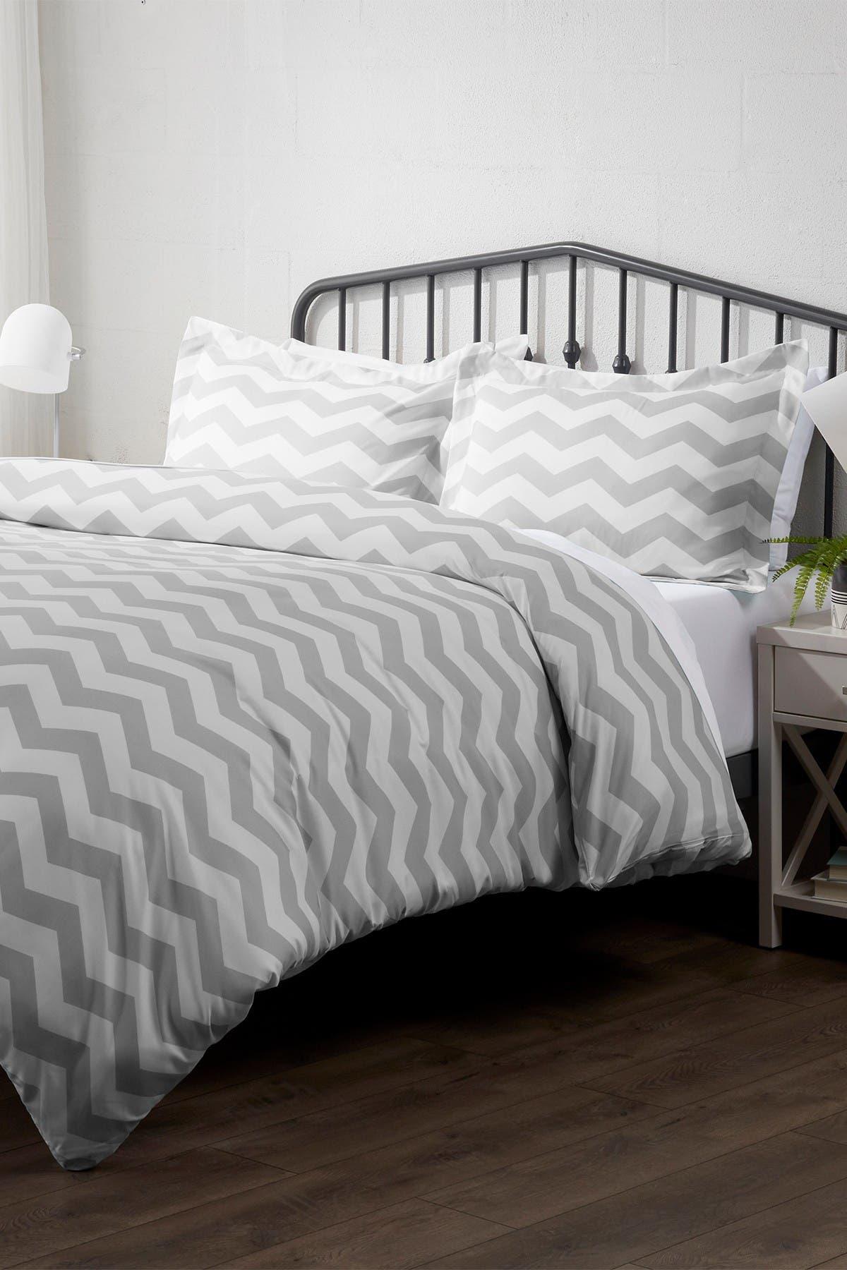 Image of IENJOY HOME Home Spun Premium Ultra Soft Arrow Pattern 3-Piece King Duvet Cover Set - Gray