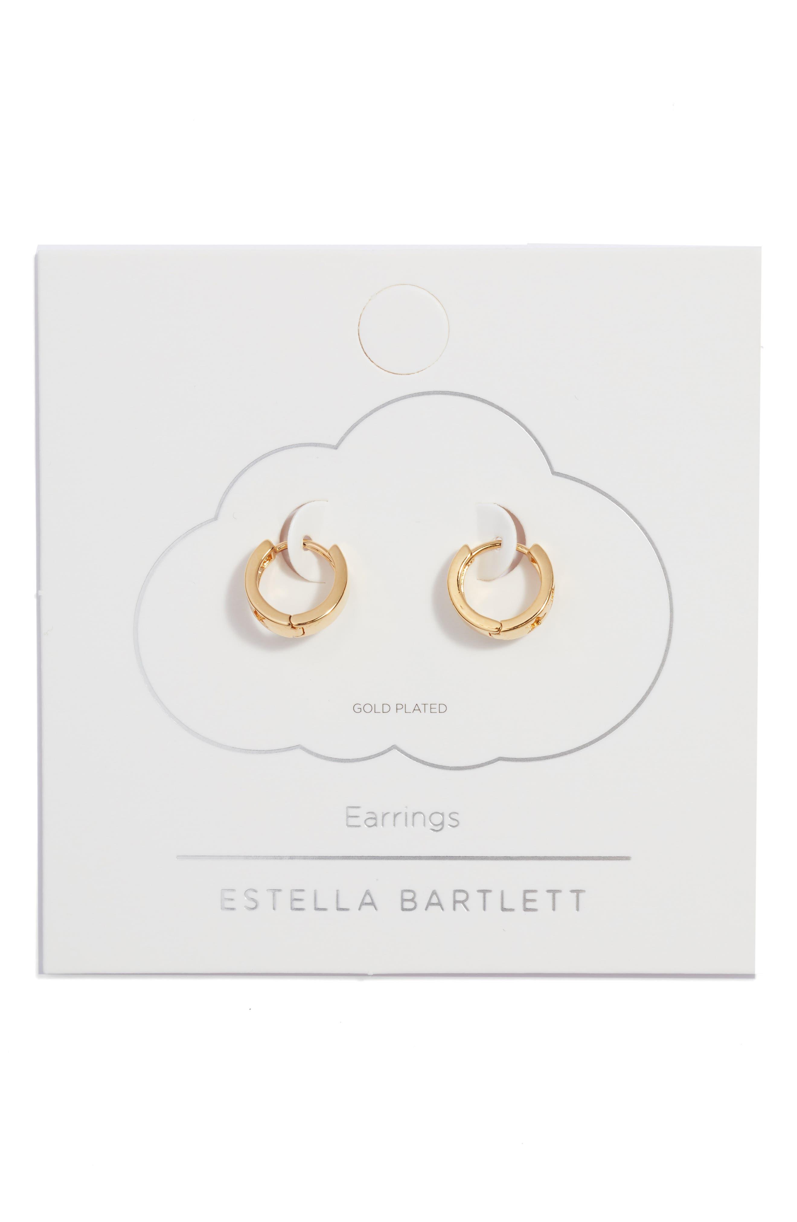 Star Cutout Huggie Hoop Earrings