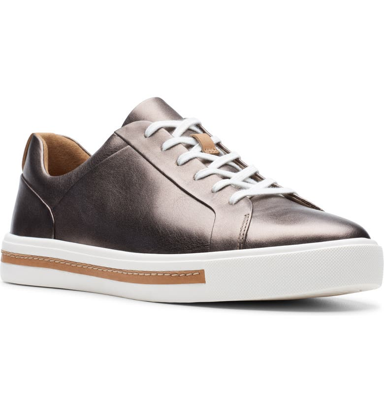 CLARKS<SUP>®</SUP> Un Maui Sneaker, Main, color, PEBBLE METALLIC LEATHER